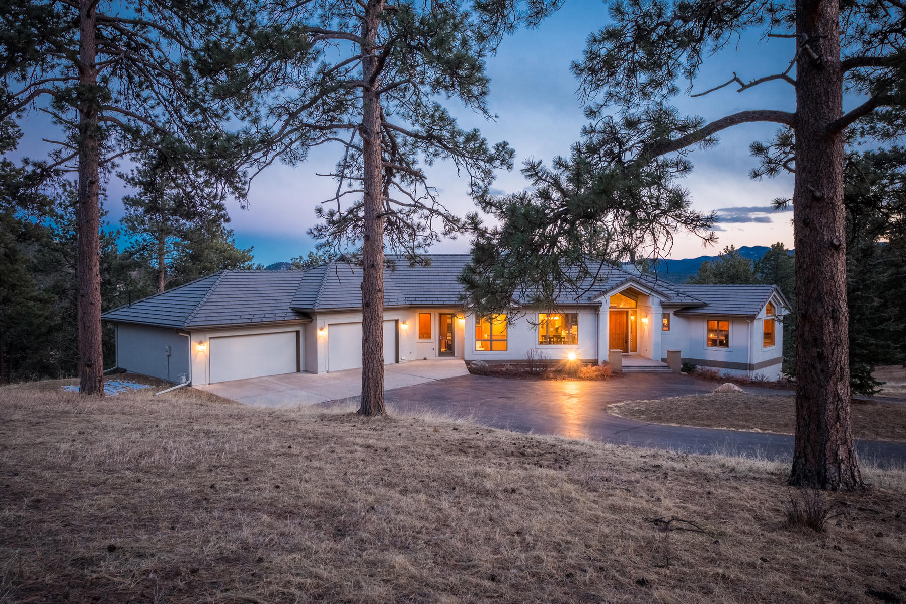 Single Family Home for Sale at Main Level Living with Easy Open Floor Plan 1870 Larkspur Drive Golden, Colorado 80401 United States