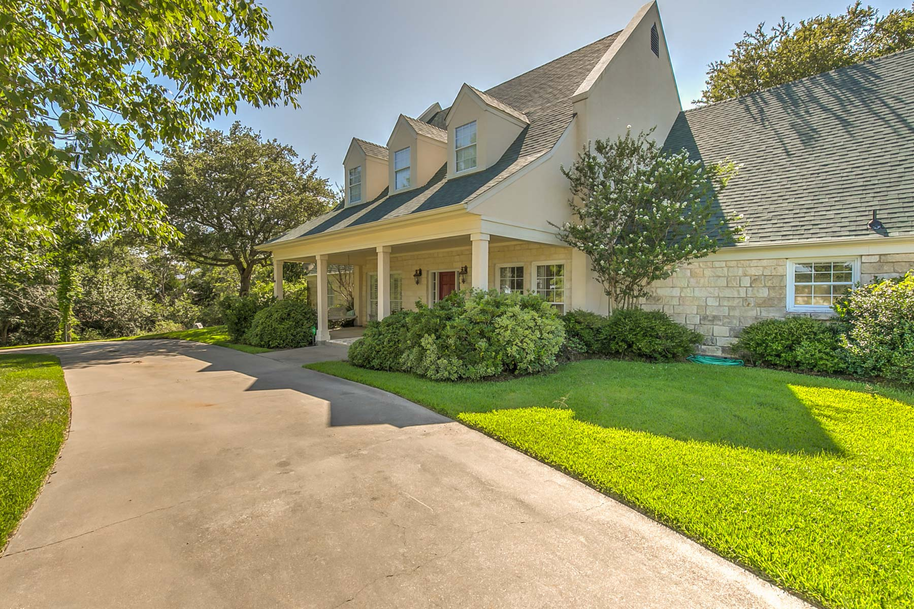Single Family Home for Sale at Stunning Country Home 3110 South Nolan River Rd. Cleburne, Texas 76033 United States