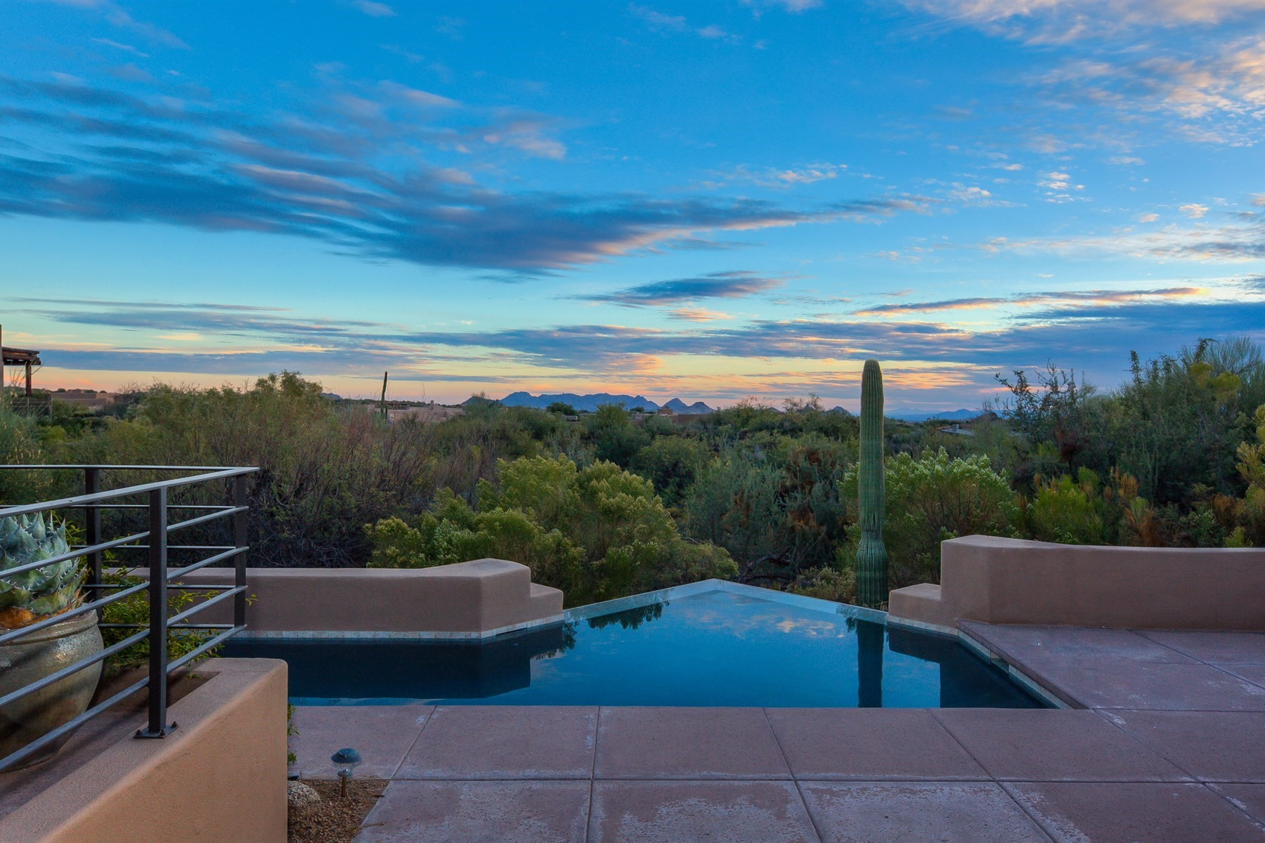 Частный односемейный дом для того Продажа на Simply exquisite Cochise Ridge home 41599 N 108th Street St, Scottsdale, Аризона, 85262 Соединенные Штаты