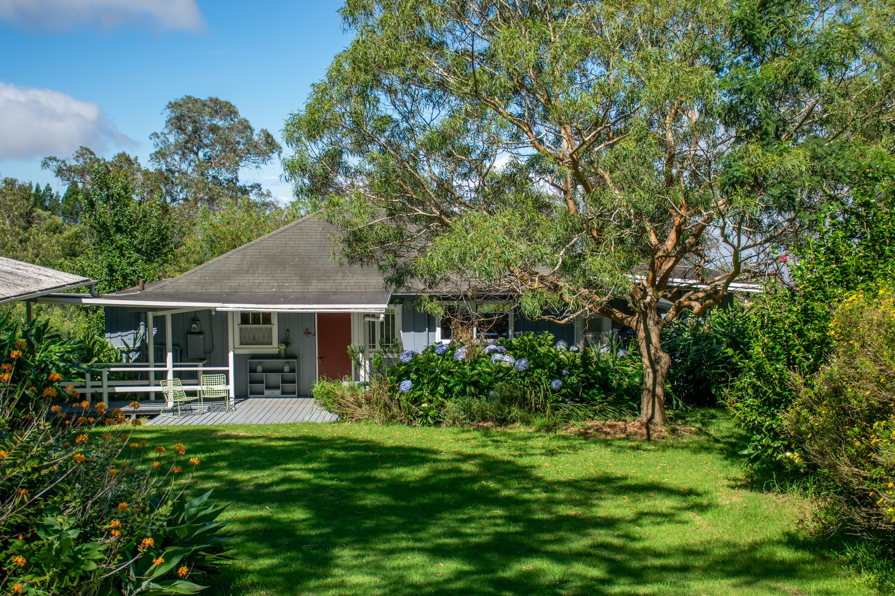 農場/牧場 / プランテーション のために 売買 アット Charming Vintage Cottage on 8 plus acres in Kula 0 Cooke Road Kula, ハワイ 96790 アメリカ合衆国