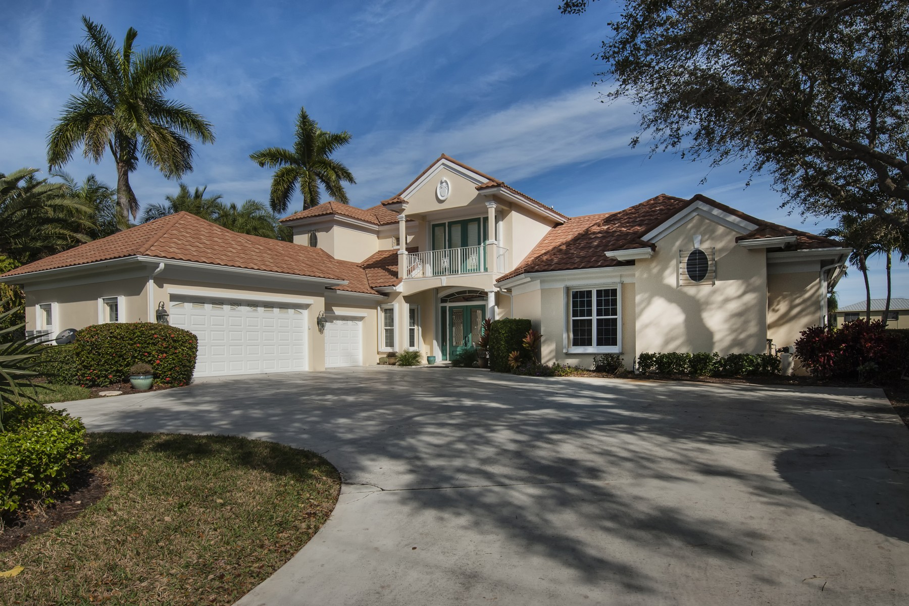Single Family Home for Sale at Boater's Delight! Two Story Estate Home on Bethel Creek 4770 Bethel Creek Drive Vero Beach, Florida 32963 United States