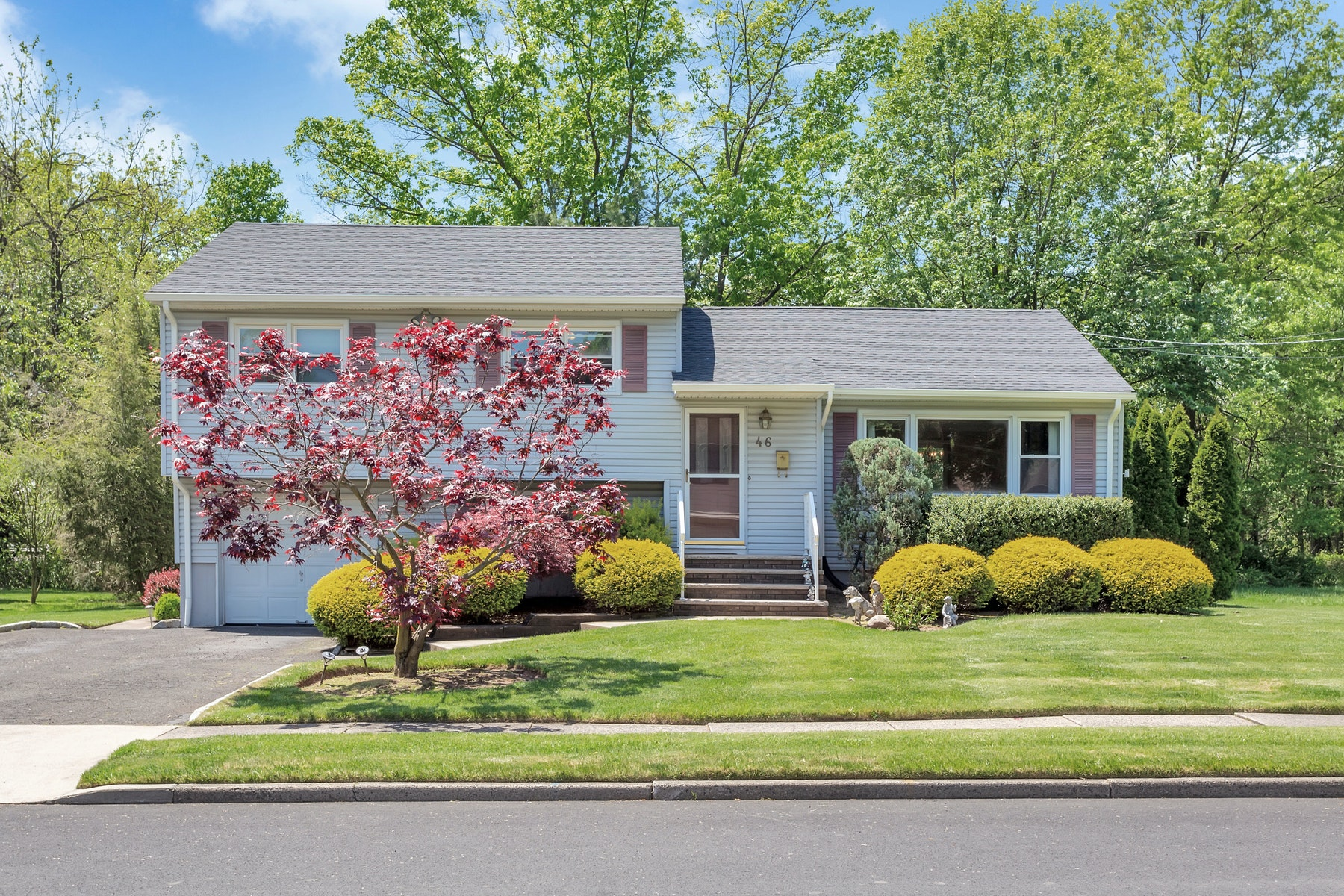 Single Family Homes for Sale at Beautiful Split Level Home 46 Nottingham Road, Fair Lawn, New Jersey 07410 United States