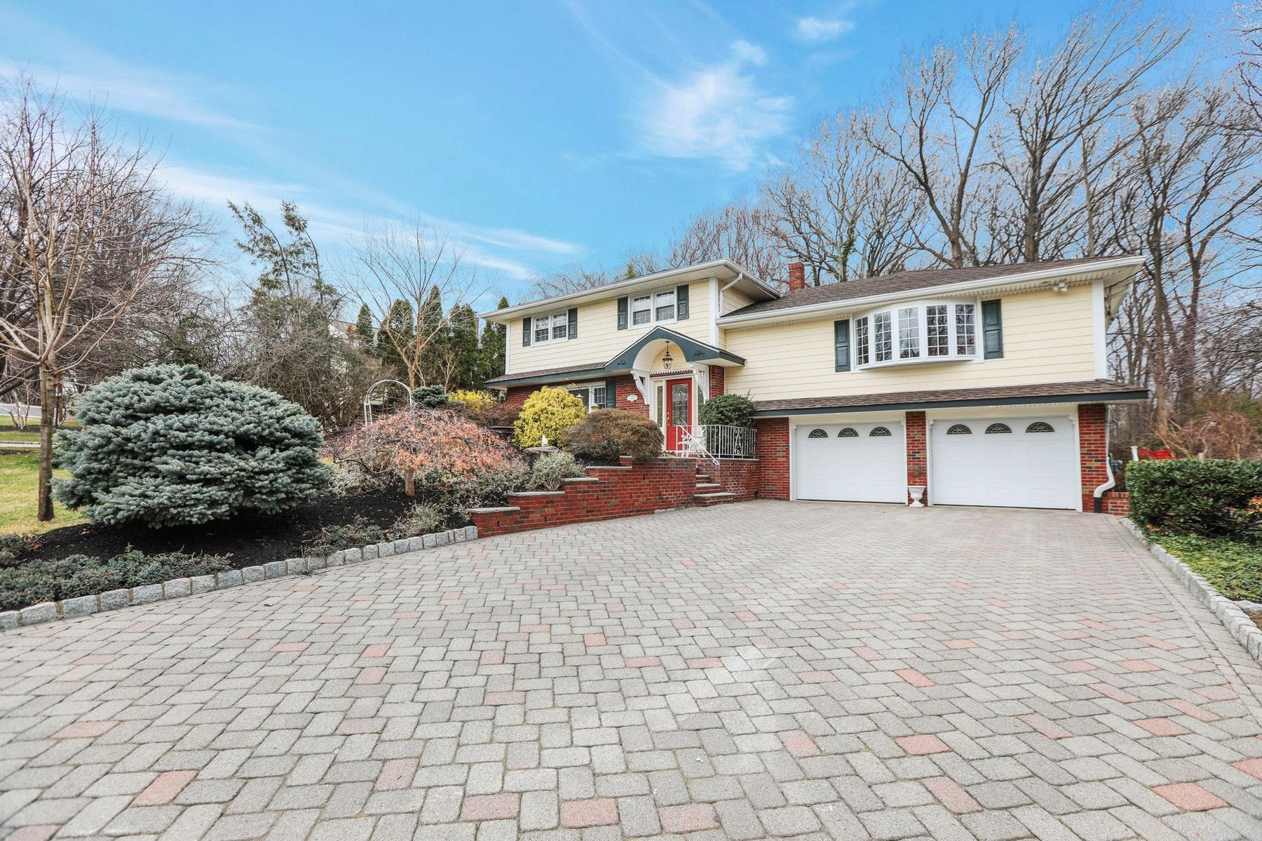 Single Family Homes por un Venta en Sugar Maple Beauty 189 Fredrick Street, Paramus, Nueva Jersey 07652 Estados Unidos