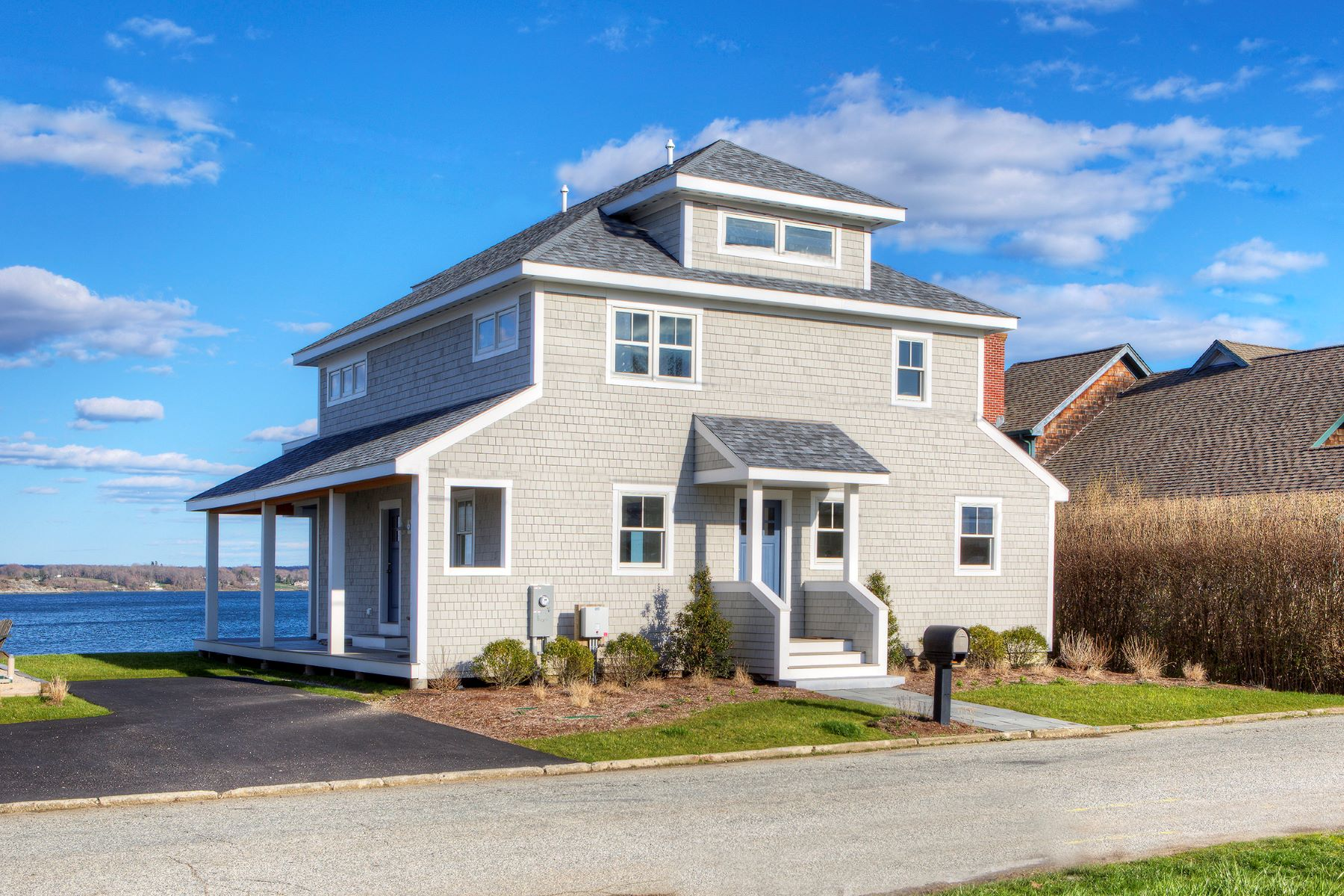Single Family Homes for Sale at Waterfront Retreat 48 Aquidneck Avenue Portsmouth, Rhode Island 02871 United States