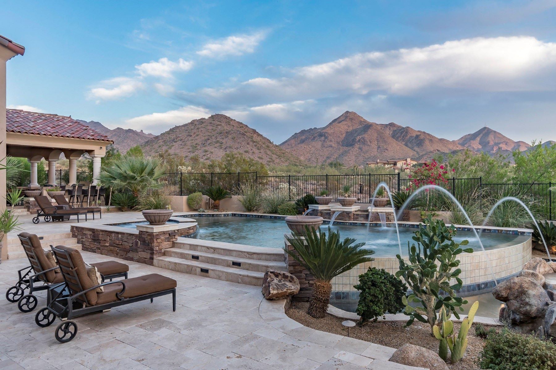 Maison unifamiliale pour l à vendre à Elegant home in Silverleaf at DC Ranch 10211 E Chino Dr, Scottsdale, Arizona, 85255 États-Unis