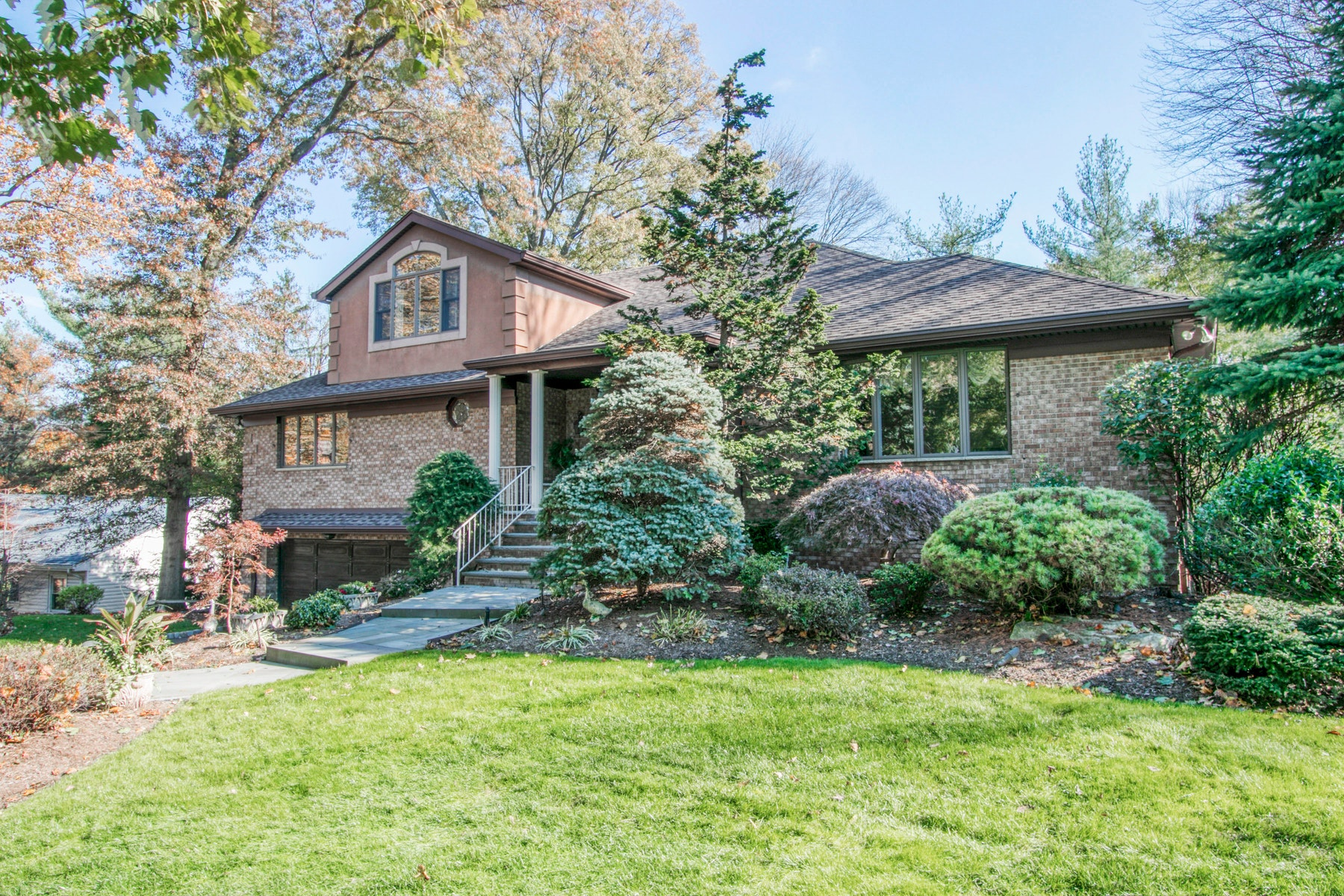 Single Family Homes for Active at Stunning Brick Colonial Home 500 Mildred Pl. Oradell, New Jersey 07649 United States