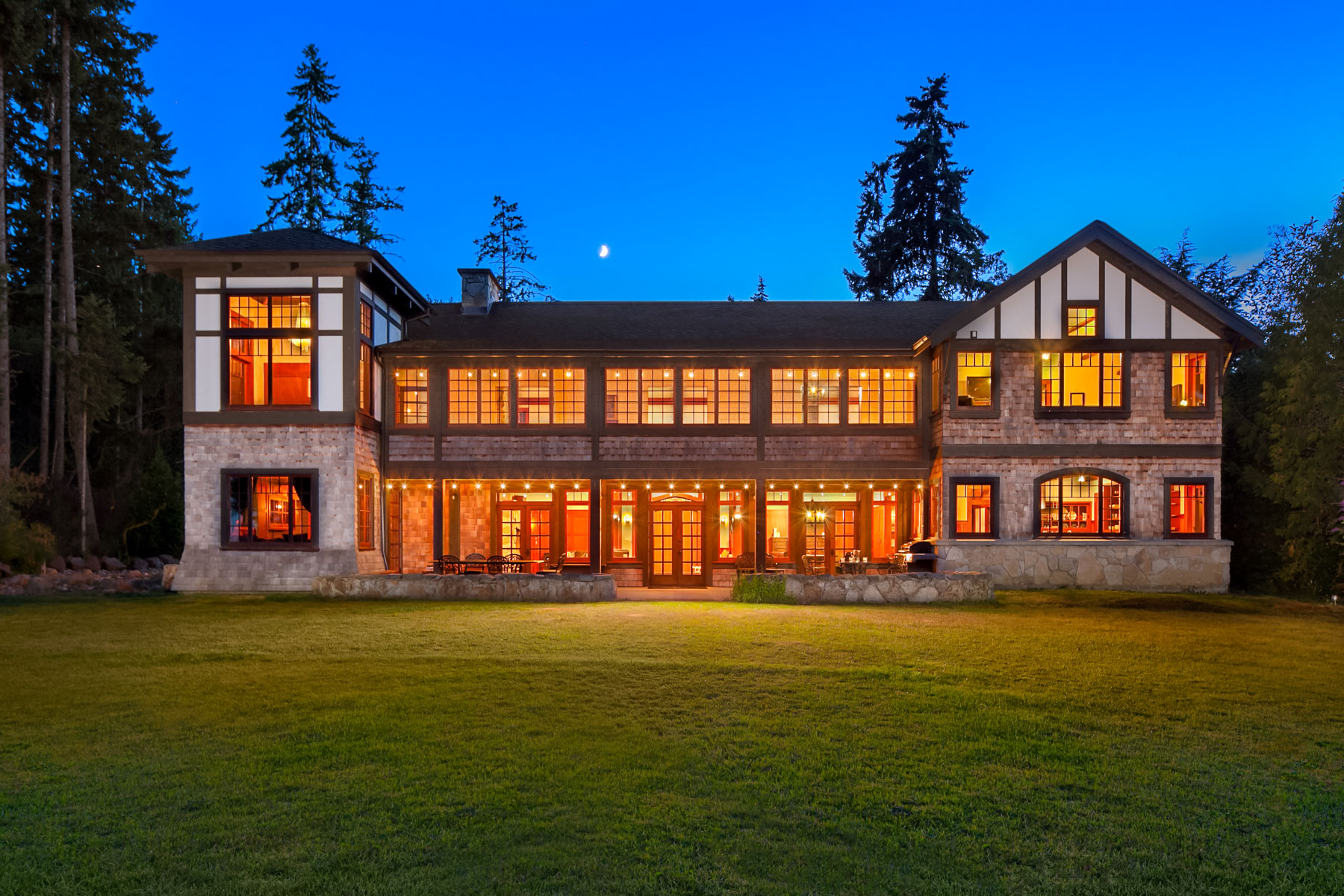 Maison unifamiliale pour l Vente à The Lodge at Blakley Harbor 10254 NE Country Club Rd Bainbridge Island, Washington 98110 États-Unis