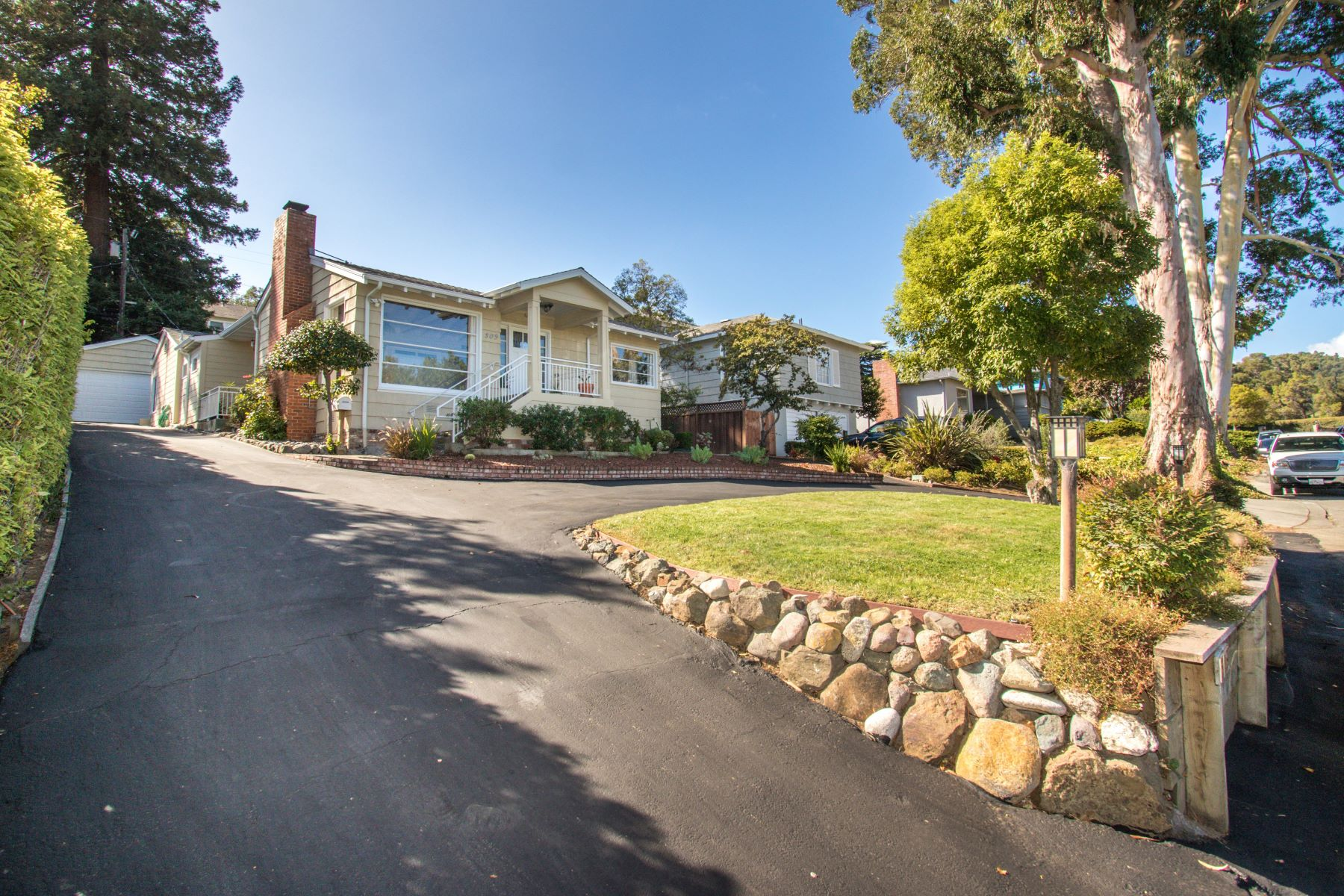 Single Family Homes for Sale at Delightful Recently Renovated Home 509 Madera Drive San Mateo, California 94403 United States