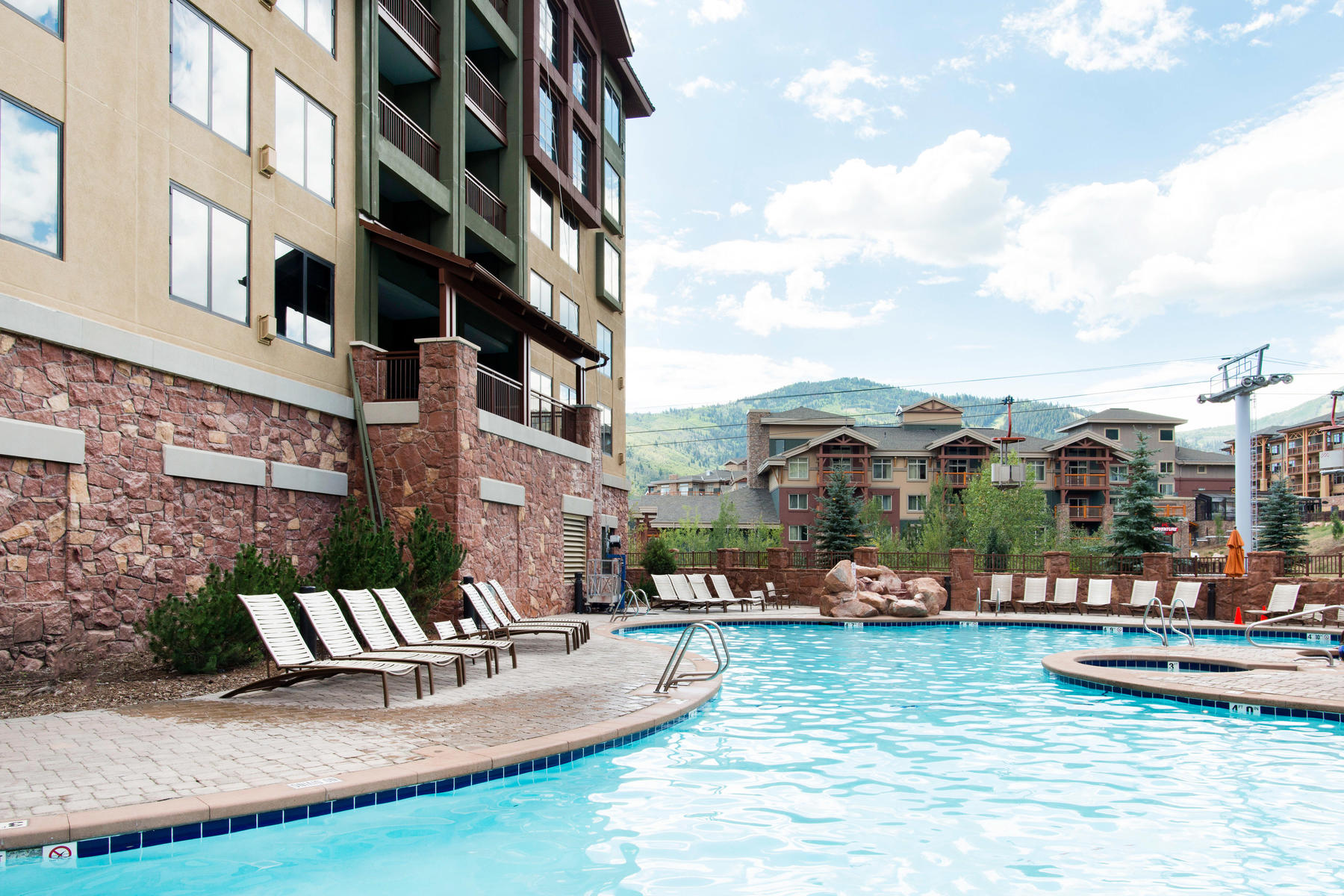 Additional photo for property listing at Rare whole ownership Ski in Ski out luxury condo 3855 N Grand Summit Dr #541 Park City, Utah 84098 United States