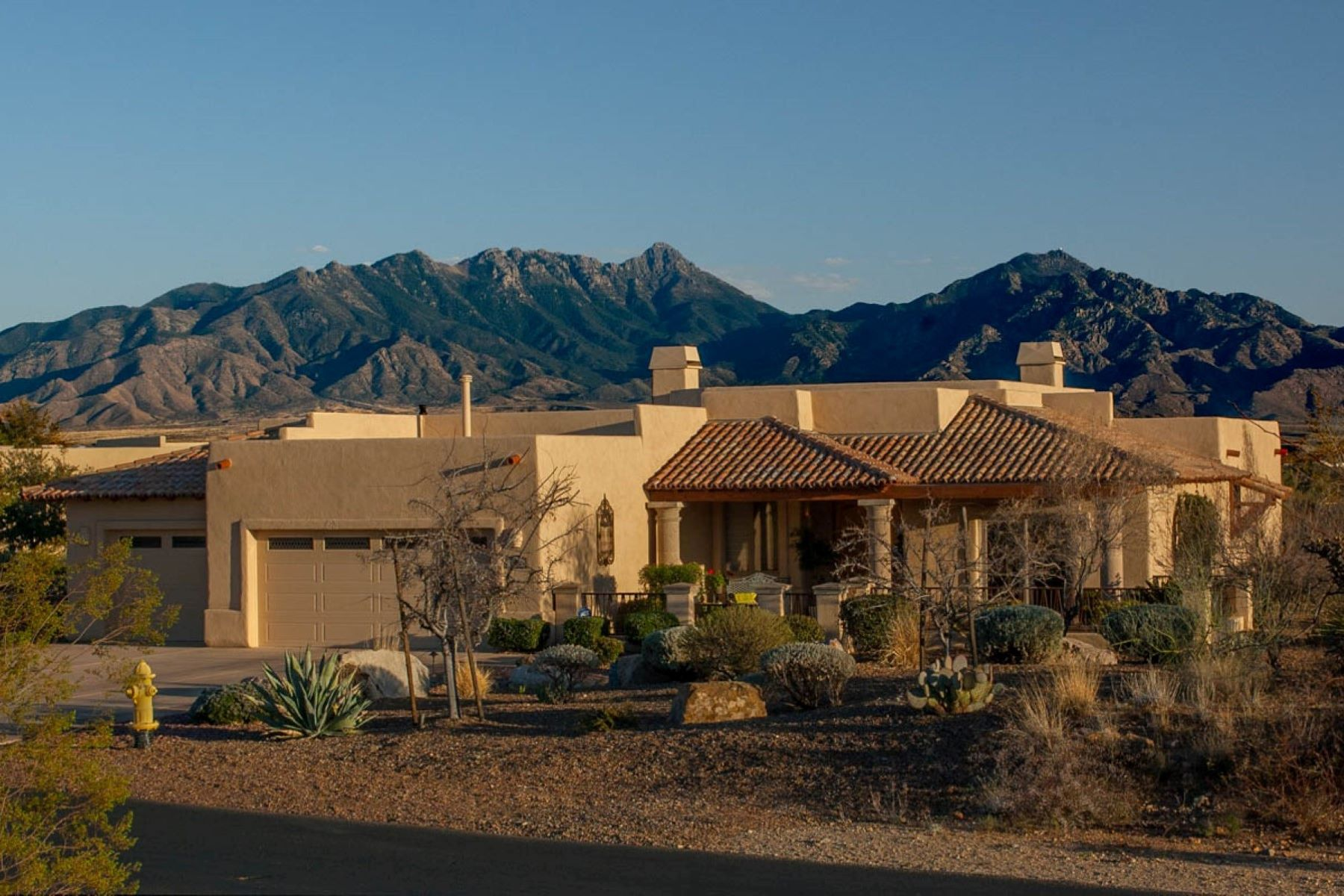 Single Family Homes for Active at Panoramic Views from Stunning Floor Plan 905 W Placita El Cueto Green Valley, Arizona 85622 United States