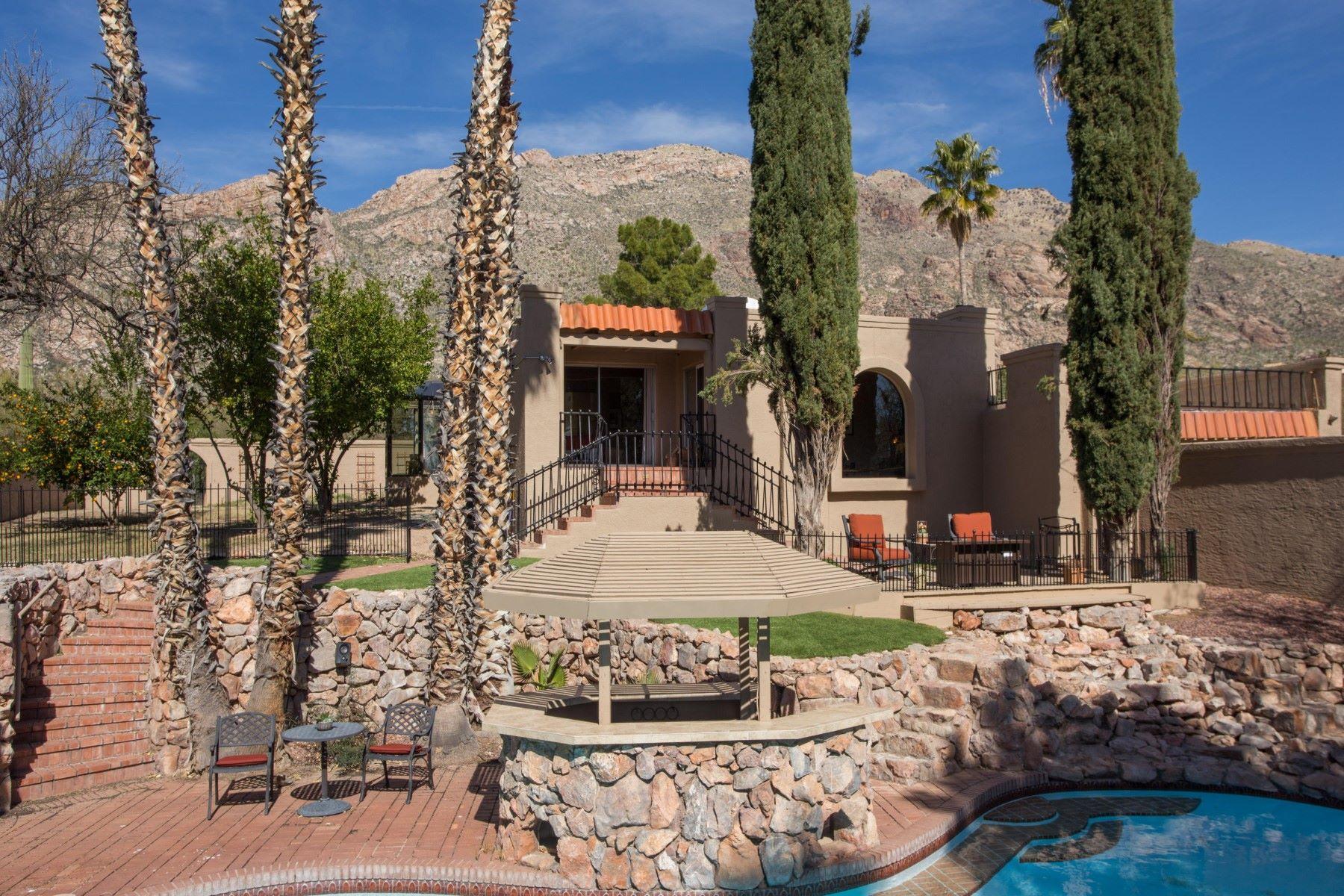 独户住宅 为 销售 在 Charming Mediterranean style home with resort pool area 6715 N Mamaronick Drive 图森, 亚利桑那州, 85718 美国