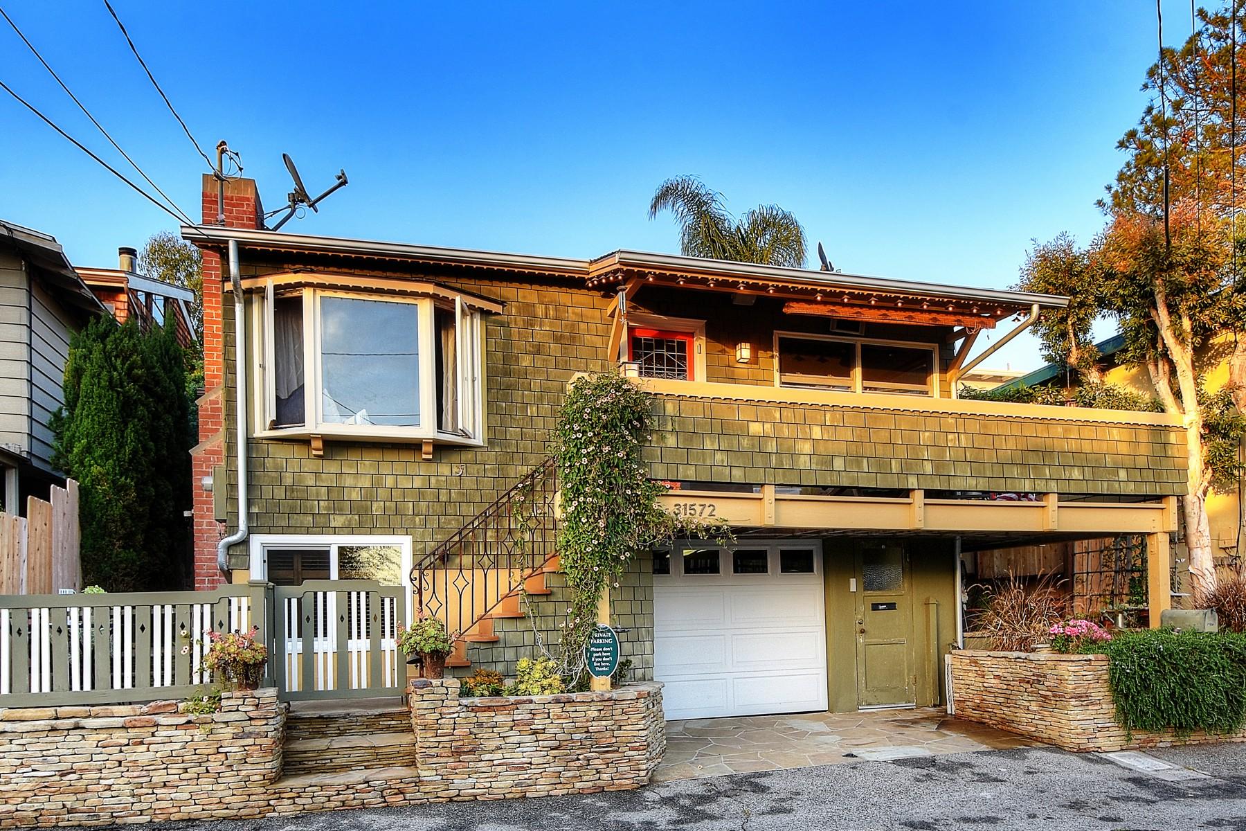 Частный односемейный дом для того Продажа на 31572 Wildwood Rd. Laguna Beach, Калифорния, 92651 Соединенные Штаты