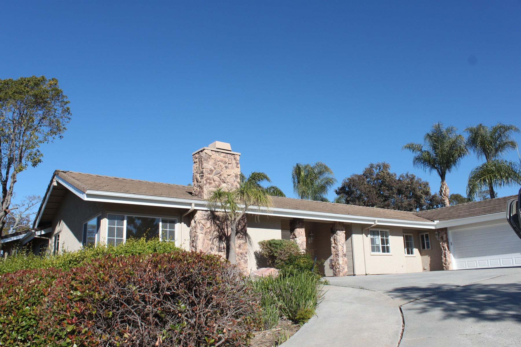 Single Family Home for Active at 10385 Eagle Lake 10385 Eagle Lake Drive Escondido, California 92029 United States