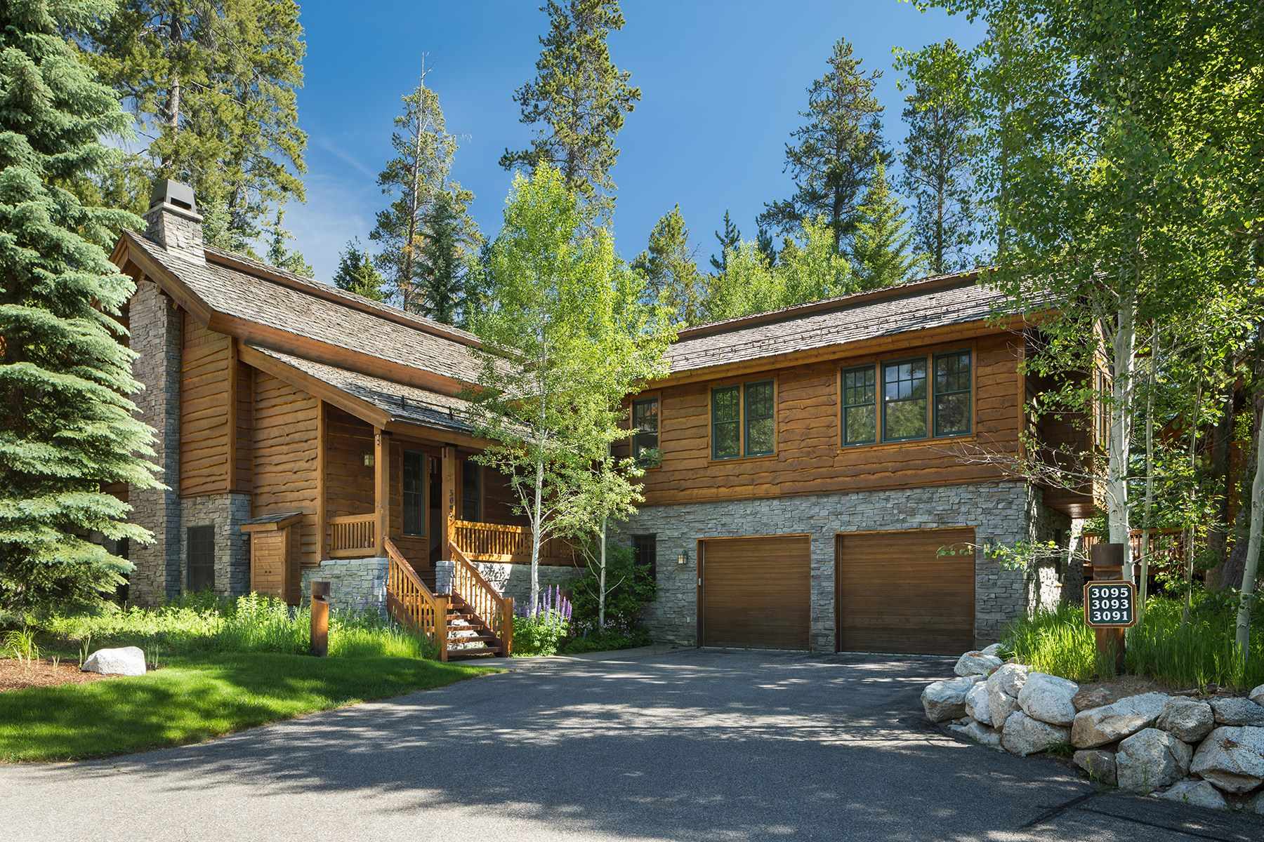 townhouses のために 売買 アット Rare Granite Ridge Homestead 3093 W Arrowhead Road, Teton Village, ワイオミング 83025 アメリカ