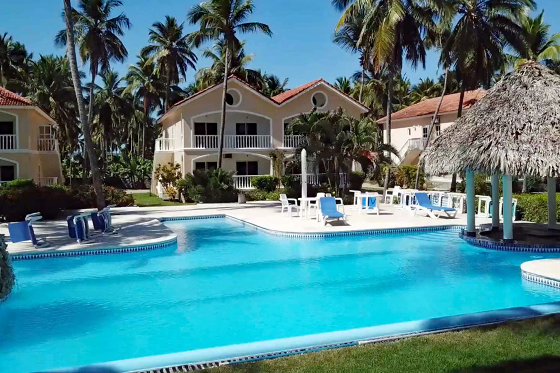 Condominiums por un Venta en The Cove Beachfront 3B Samana, Samana 32000 República Dominicana