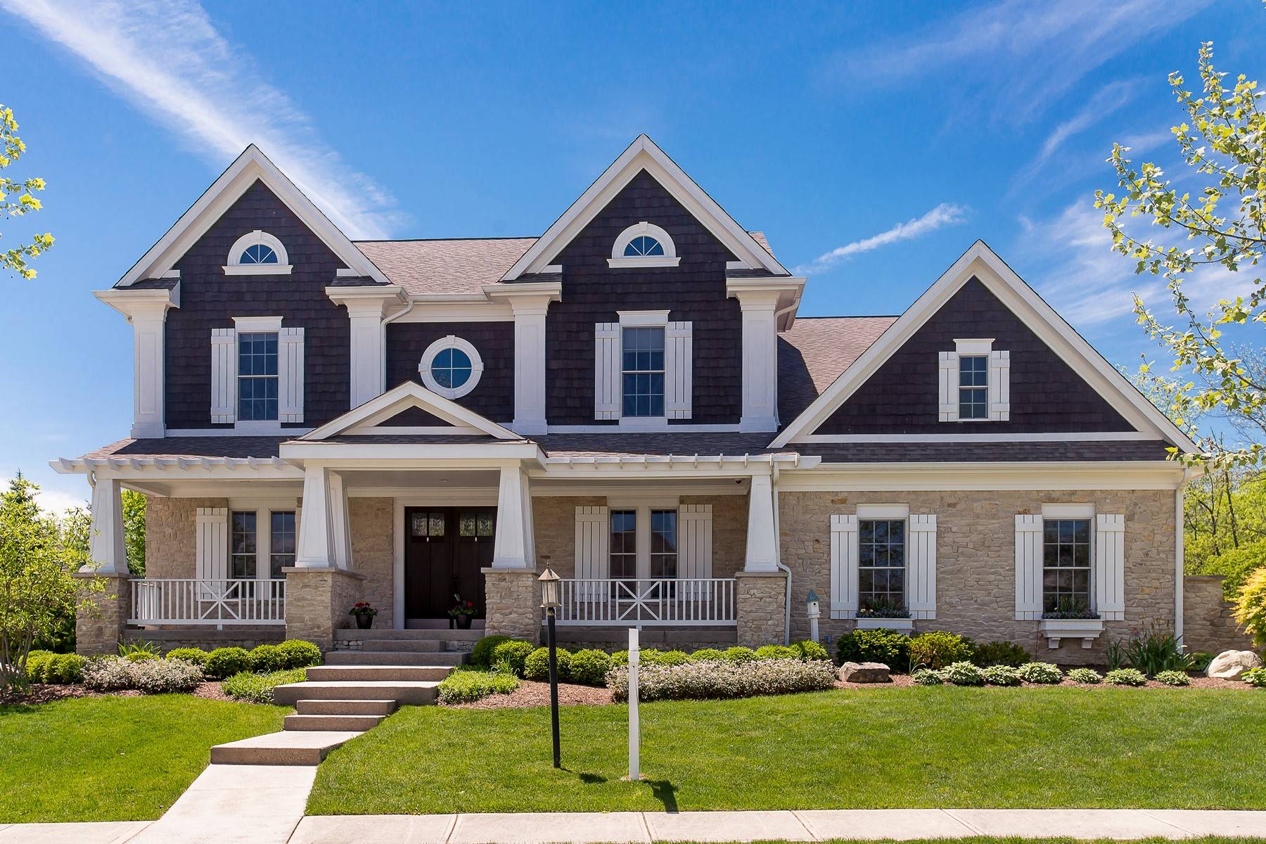 Maison unifamiliale pour l Vente à Custom Arts & Craftsman Home 5331 Randolph Crescent Drive Carmel, Indiana, 46033 États-Unis