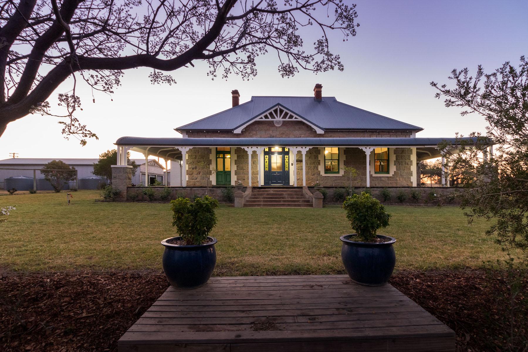 Granjas / Hacienda / Platanción por un Venta en Bonnie Doone 1228 Jerrybang Lane Young, New South Wales 2594 Australia