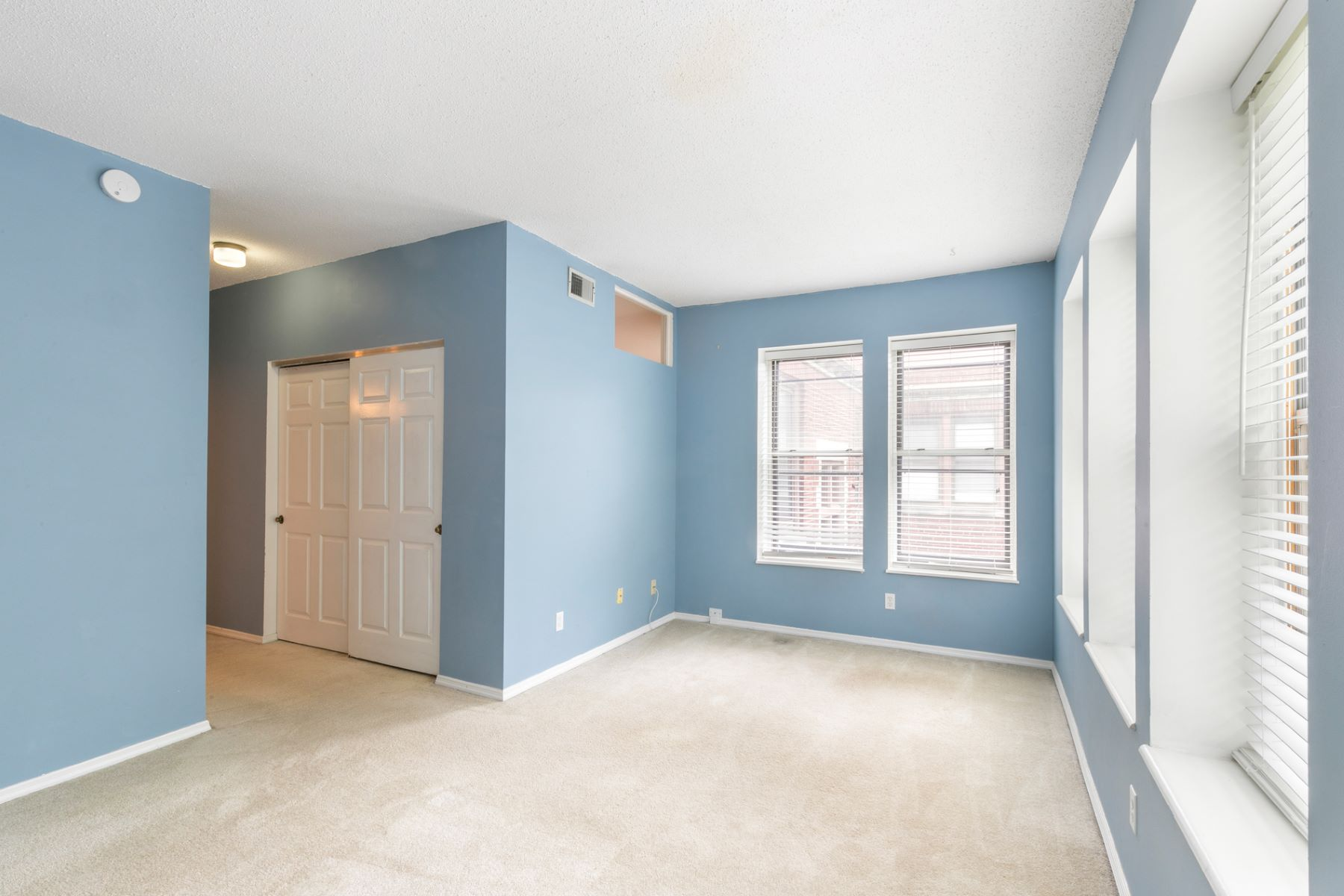 Additional photo for property listing at Pershing Ave 5398 Pershing Ave # 3# St. Louis, Missouri 63112 United States