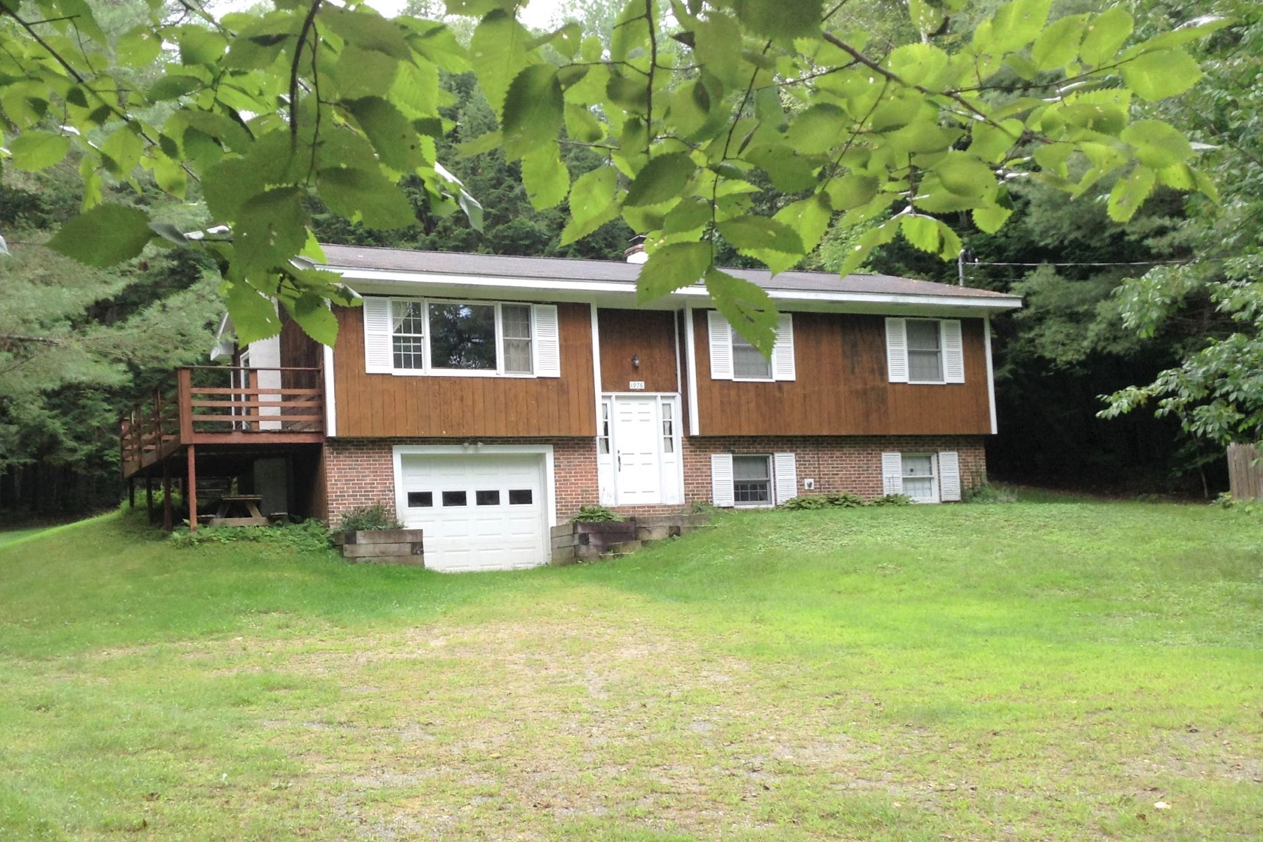 Single Family Home for Sale at 6318 Vermont Route 107, Stockbridge 6318 Vermont Route 107 Stockbridge, Vermont 05772 United States