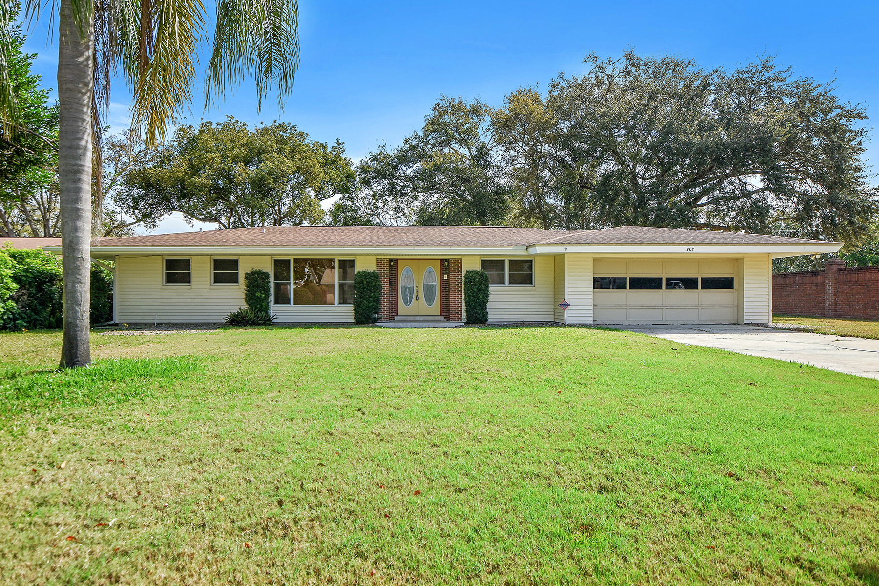 single family homes for Active at BELLE ISLE-ORLANDO 5137 Dorian Ave Belle Isle, Florida 32812 United States