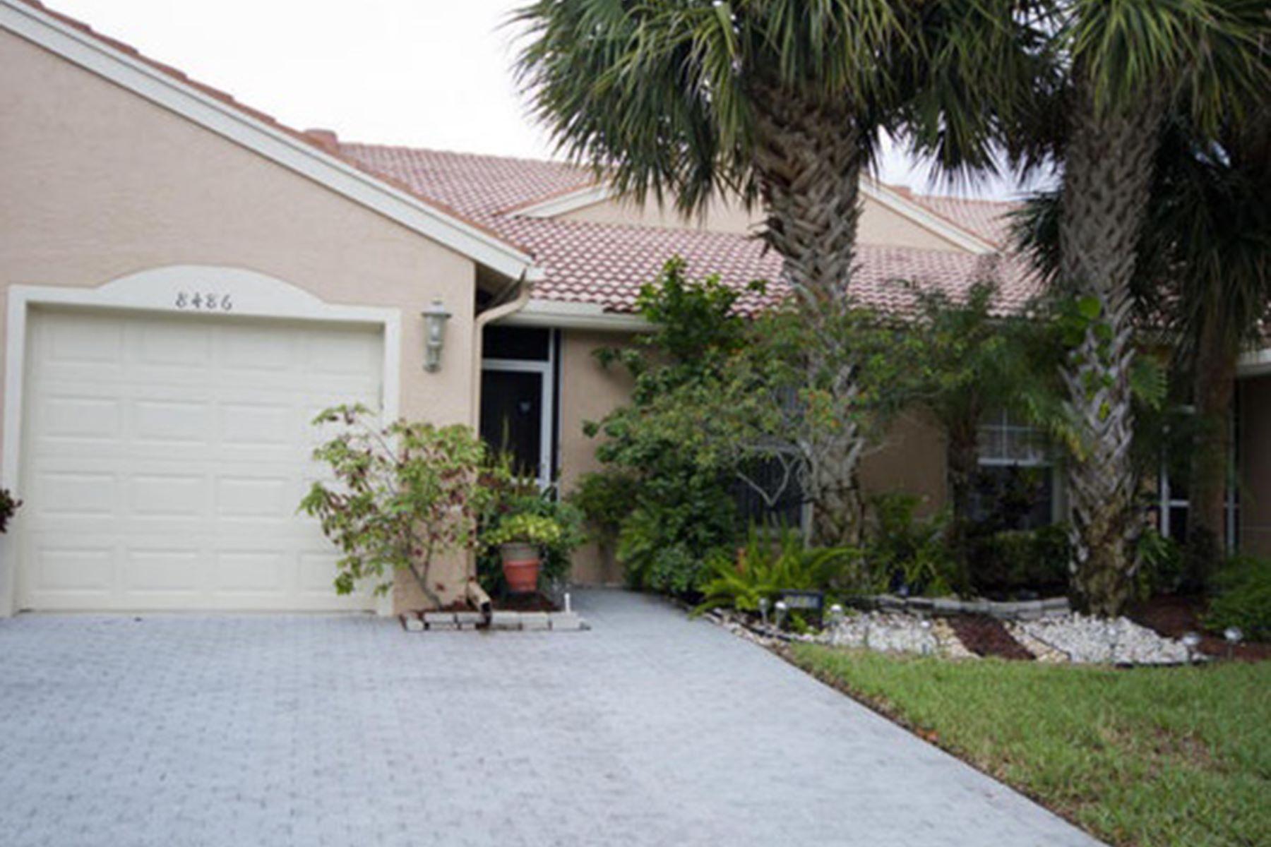 Adosado por un Venta en 8486 Logia Circle 8486 Logia Circle Boynton Beach, Florida 33472 Estados Unidos