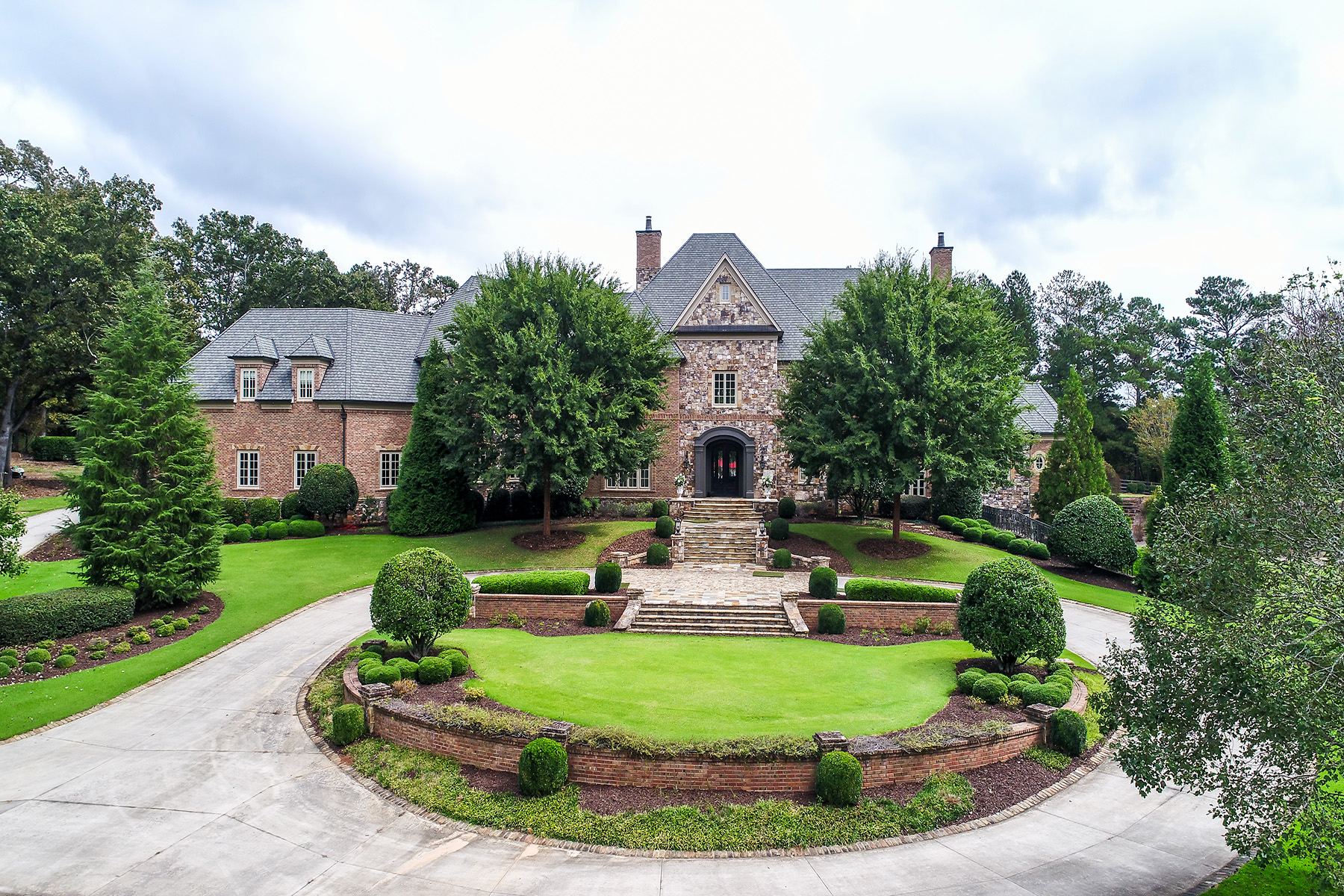 Single Family Homes for Sale at Exquisite Custom Estate in Milton's Horse Country 14680 Freemanville Road Milton, Georgia 30004 United States