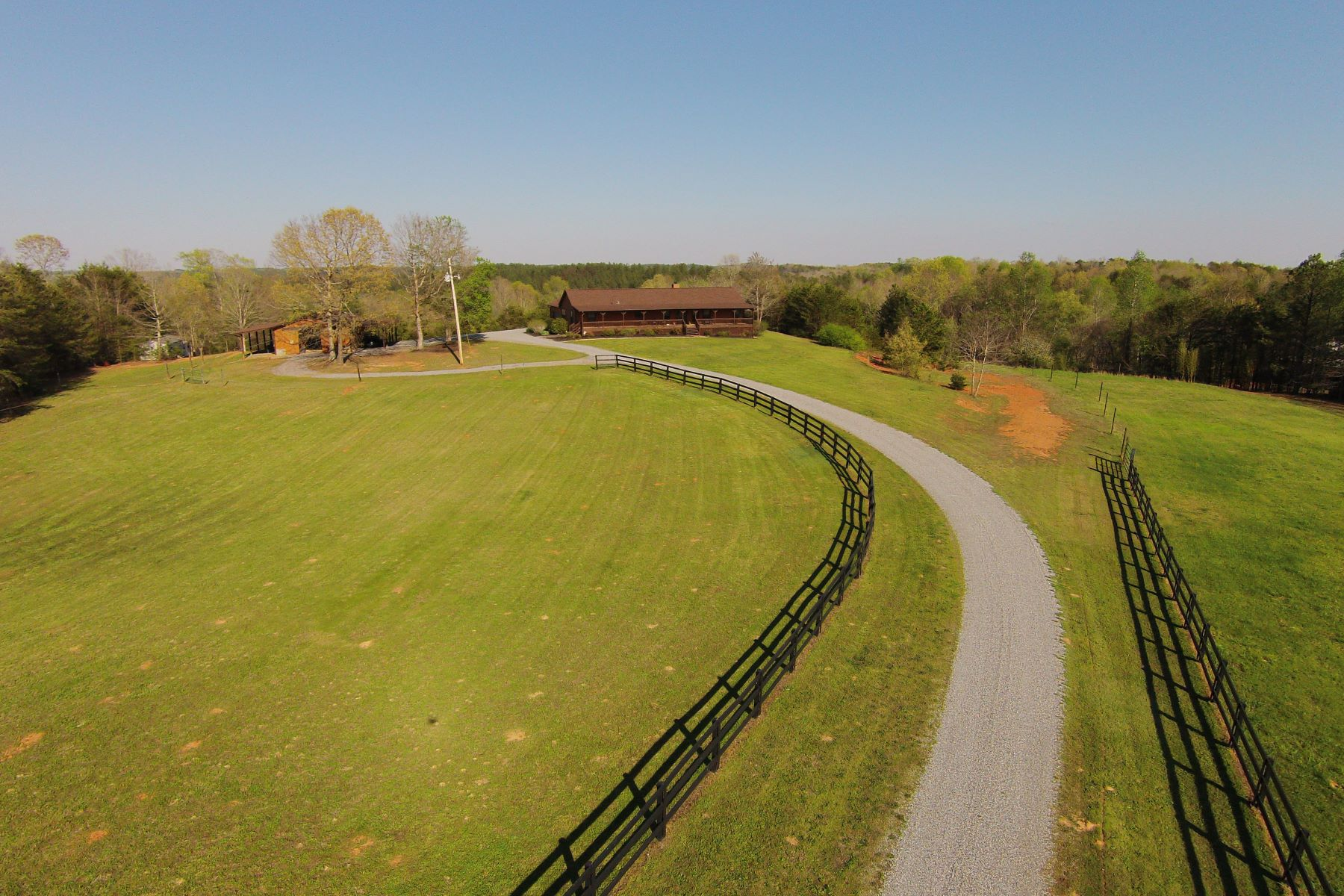 Maison unifamiliale pour l Vente à 241 McMurray Road, Rutherfordton, NC Rutherfordton, Carolina Du Nord, 28139 États-Unis