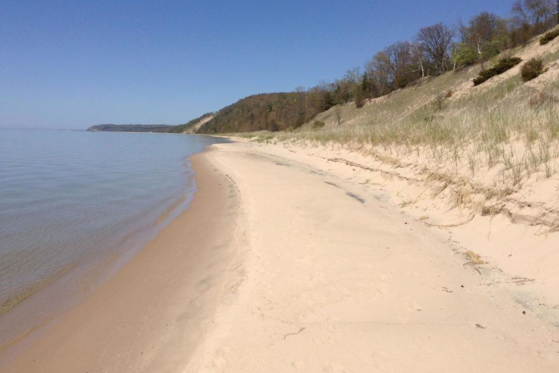 Land for Active at Harmonious Low Bluff Lake Michigan Lot Lot 13 Ivanhoe Road Onekama, Michigan 49675 United States