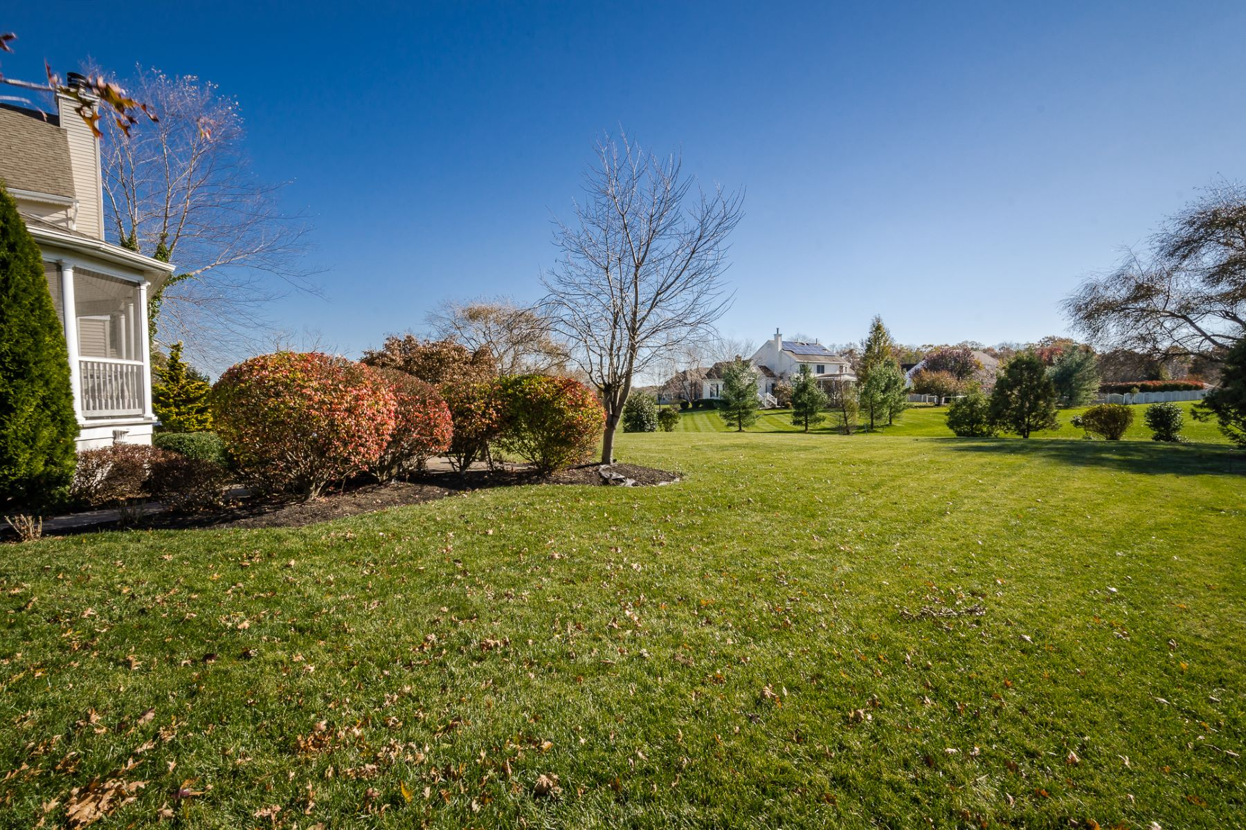 Additional photo for property listing at Host with Elegance in Grand Preserve Colonial 8 Alta Court, West Windsor, New Jersey 08550 United States