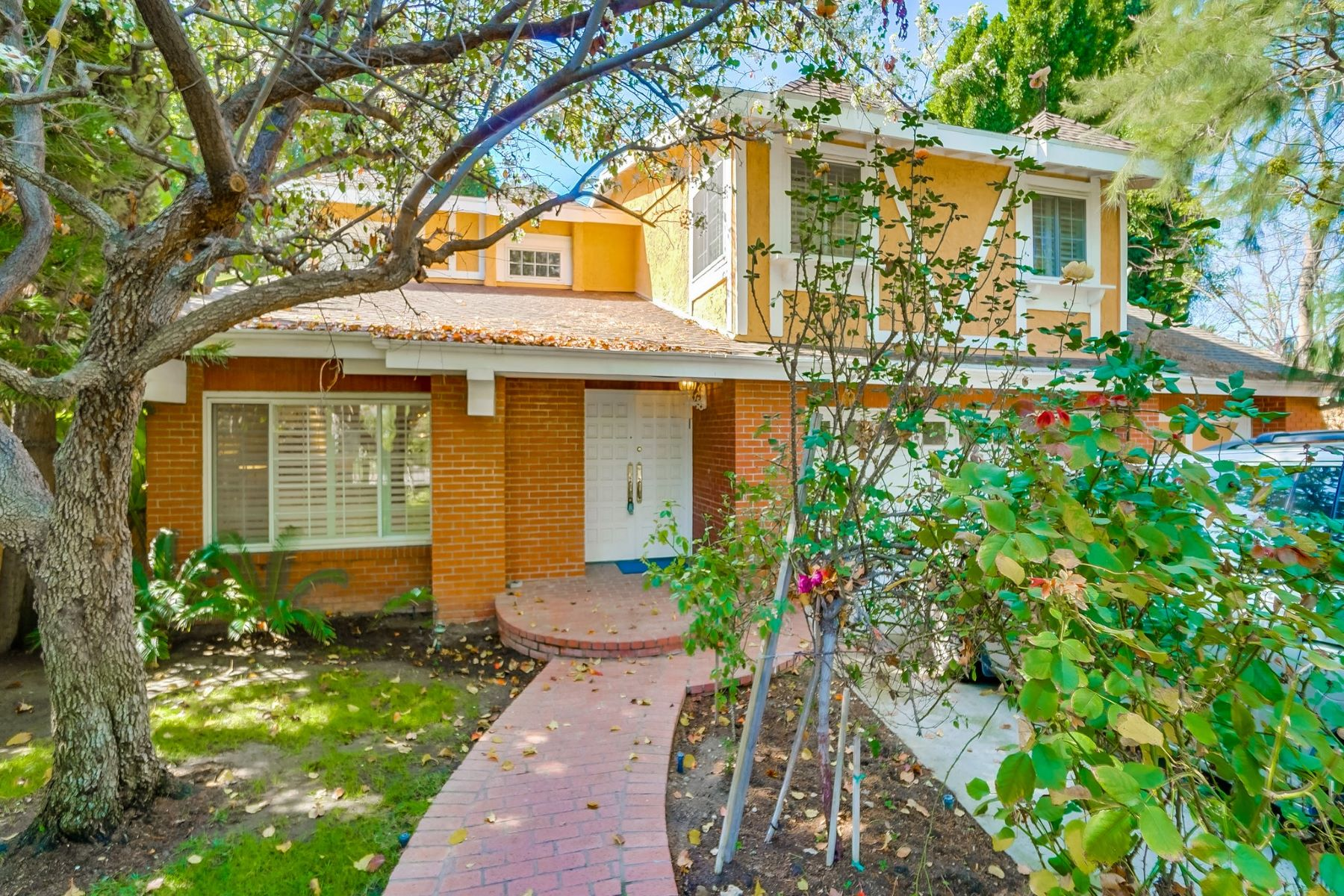 Single Family Homes for Sale at 13134 Albers Street Sherman Oaks, California 91401 United States