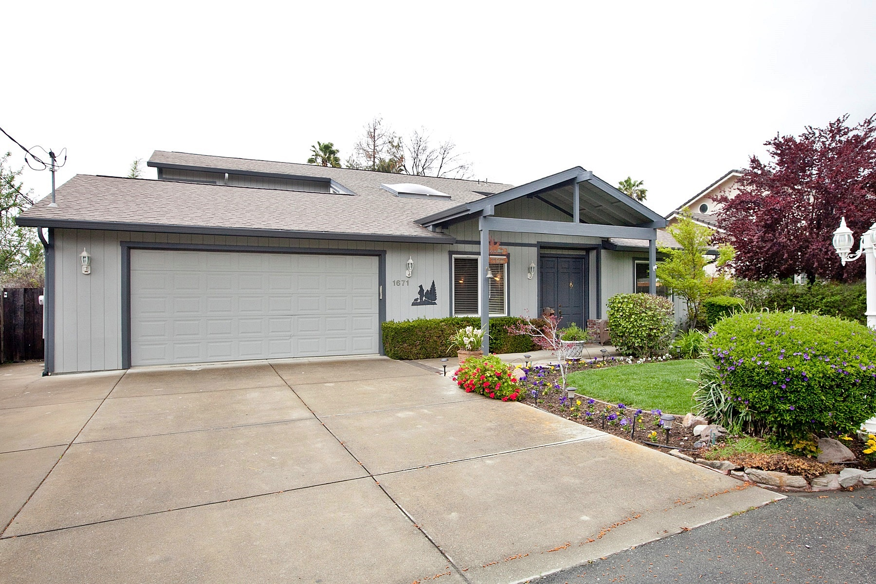 Single Family Home for Sale at Nestled At End Of Private Lane 1671 Clark Lane Concord, California 94521 United States