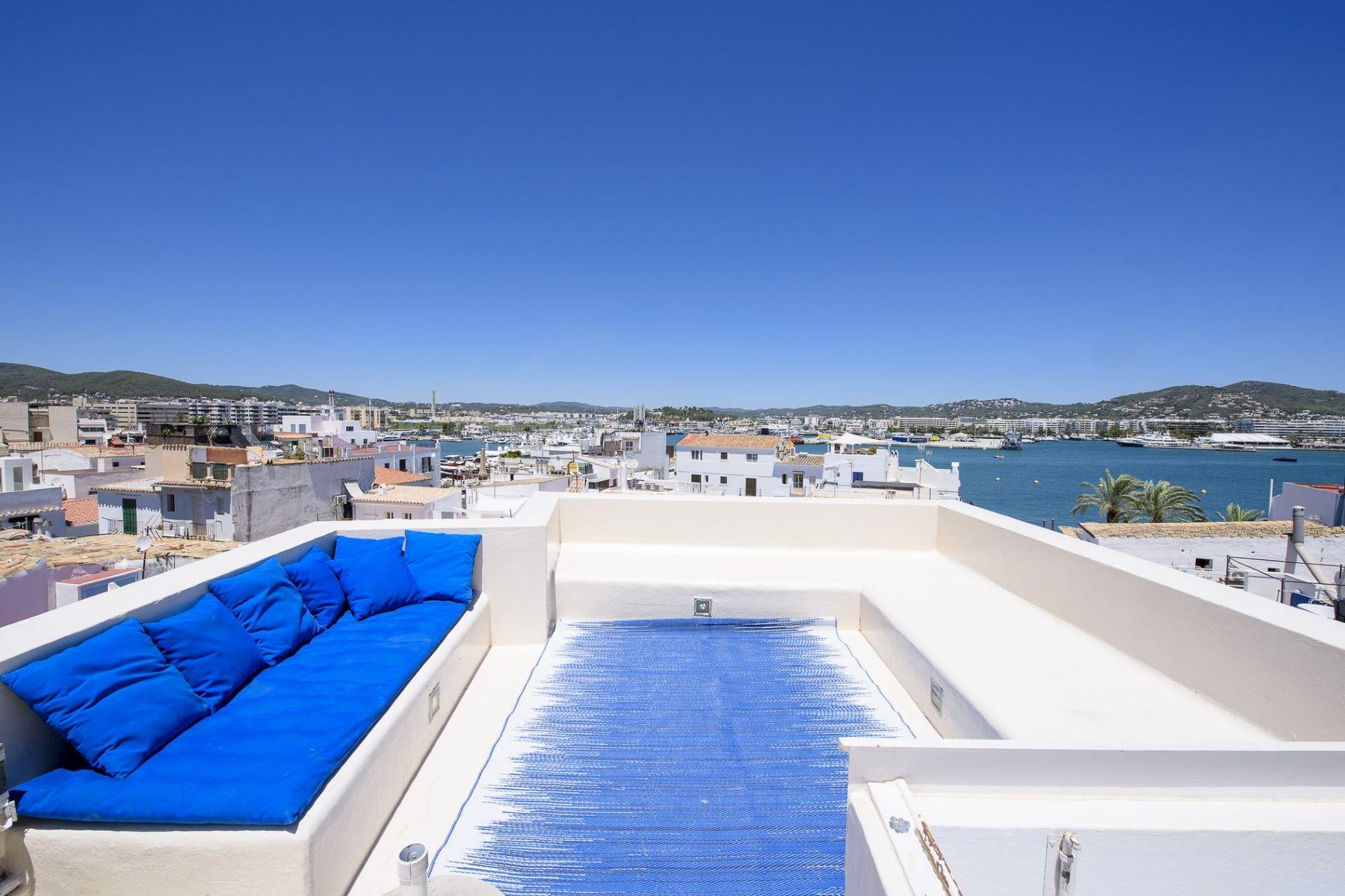 Apartamento por un Venta en Typical town house in the old town with views Ibiza, Balearic Islands, 07800 España