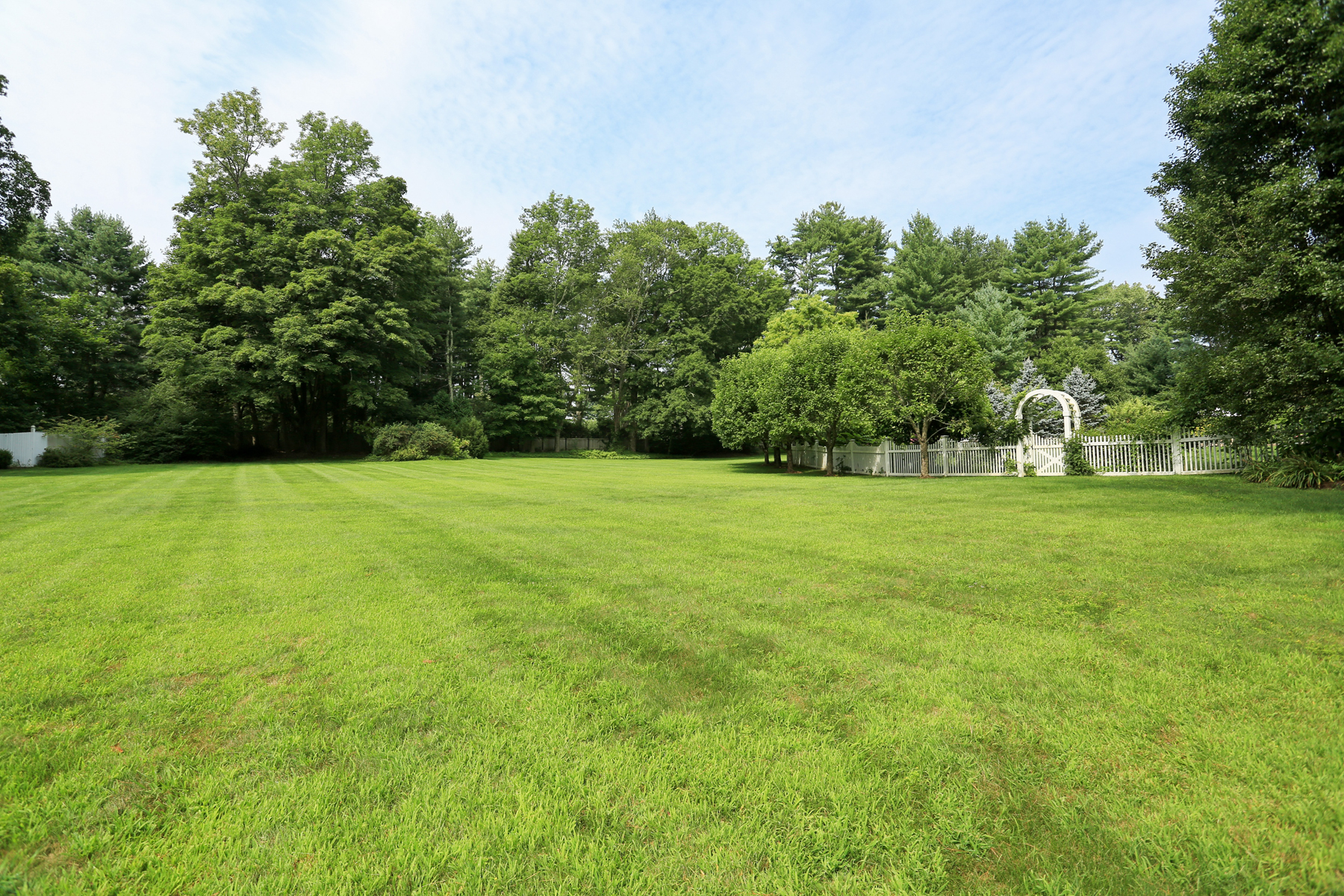Additional photo for property listing at Hook Road Gem 46 Hook Road Bedford, New York 10506 United States