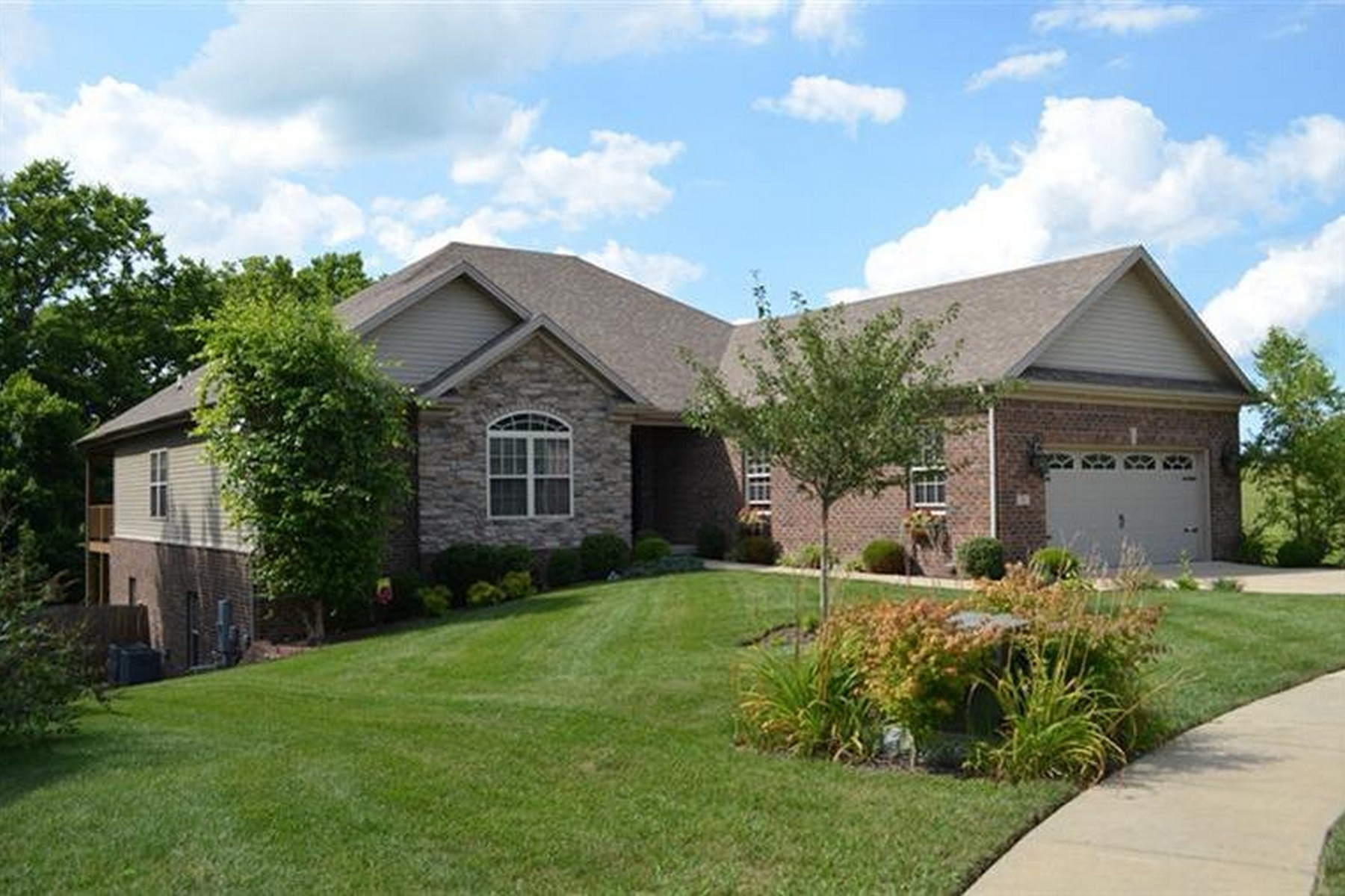 Single Family Homes für Verkauf beim 99 Hidden Paddock Lane, Georgetown, Kentucky 40324 Vereinigte Staaten
