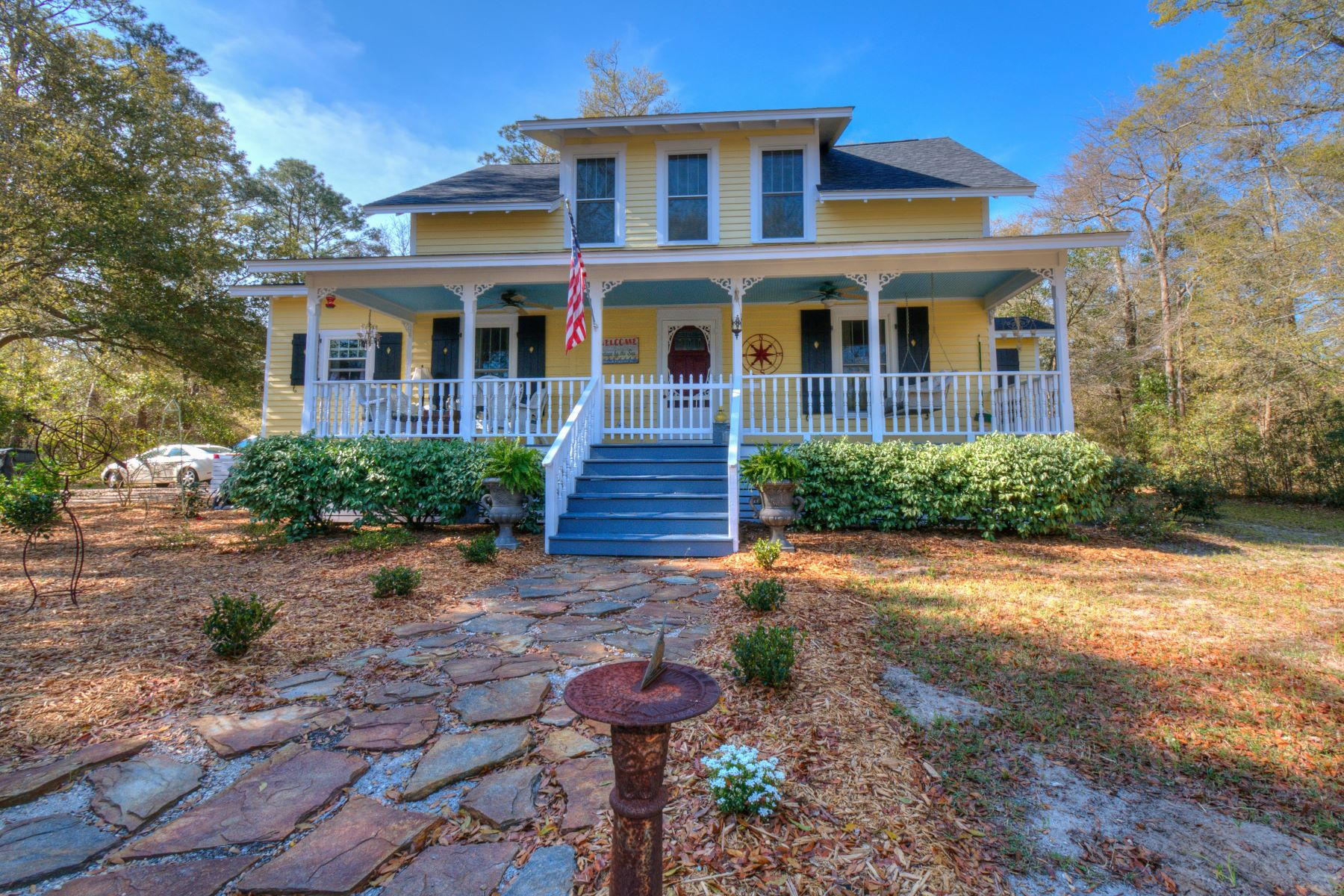 Single Family Home for Sale at Charming Historic Cottage 131 Yaupon Drive Southport, North Carolina 28461 United States