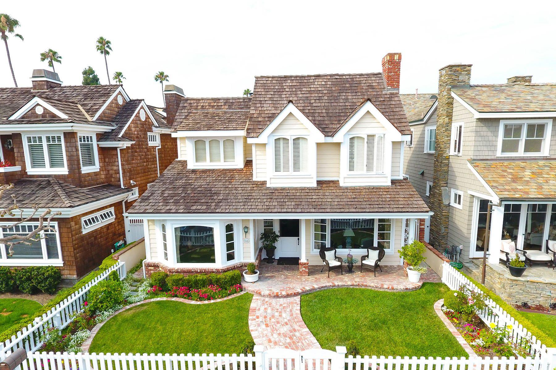 Casa para uma família para Venda às 2441 Bayshore Newport Beach, Califórnia, 92663 Estados Unidos