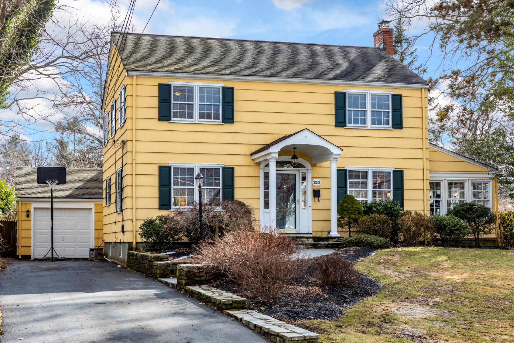 Single Family Home for Sale at This One Is A Keeper 120 King George Road, Pennington, New Jersey 08534 United StatesMunicipality: Pennington Borough