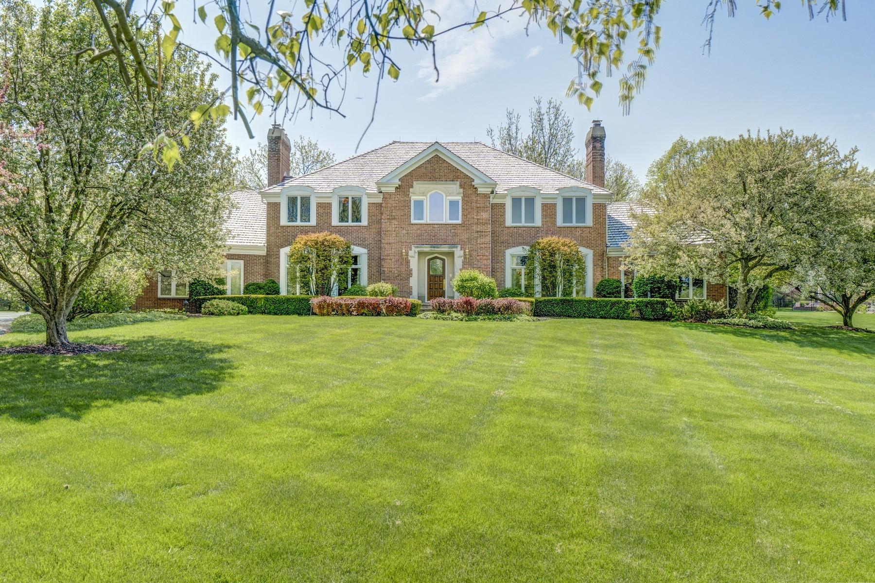 Casa Unifamiliar por un Venta en Gracious French Country Home 1023 Muirfield Road Inverness, Illinois, 60067 Estados Unidos
