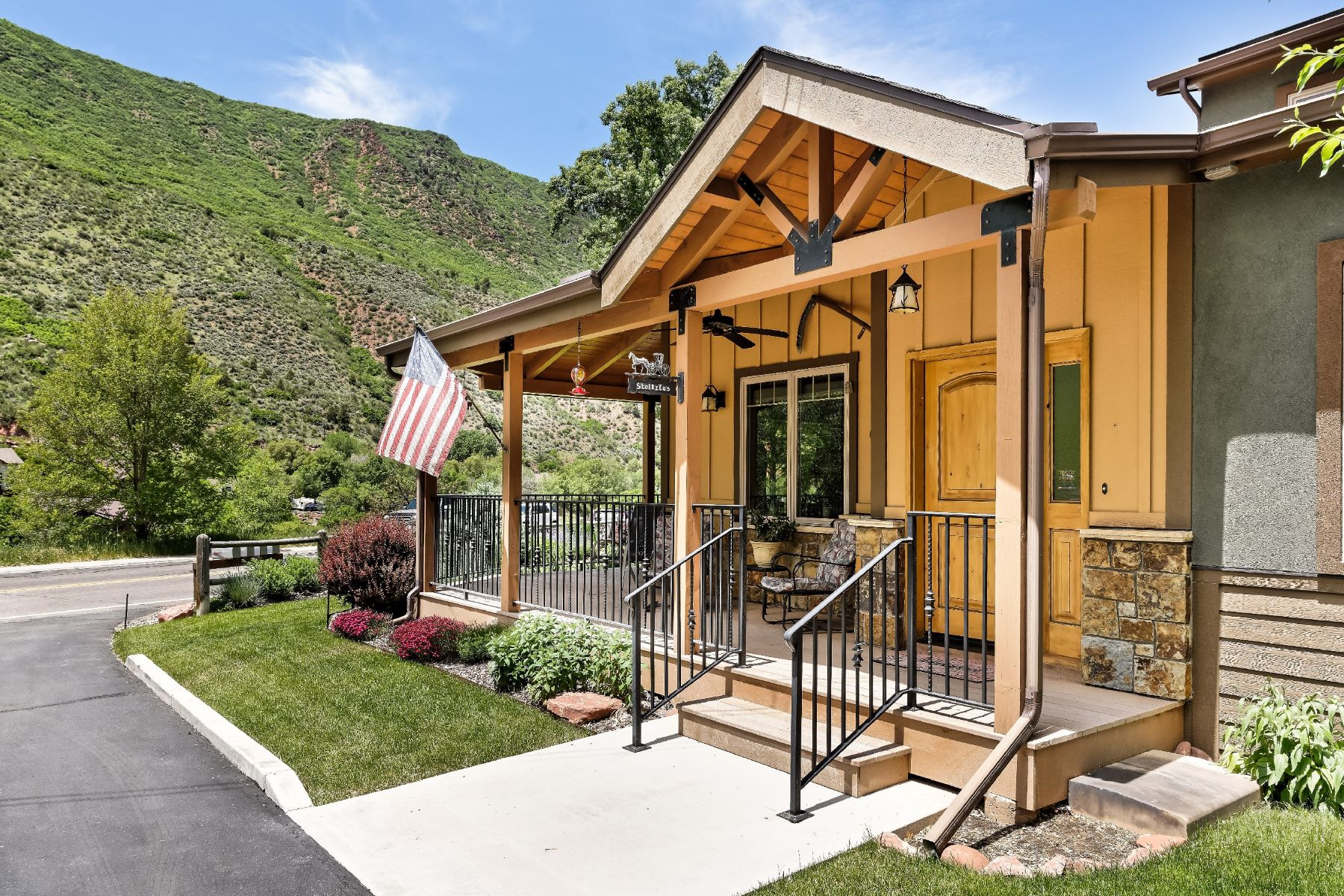 Autre – Résidentiel pour l Vente à Glenwood Springs 3302/3304 Grand Avenue Glenwood Springs, Colorado, 81601 États-Unis