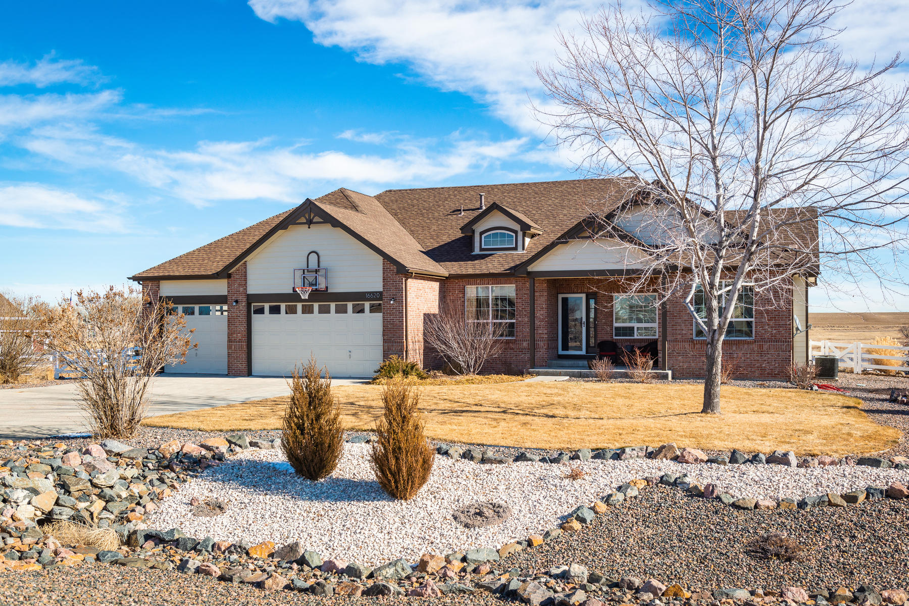 Single Family Home for Active at 100's of acres of farm land surrounds this perfectly updated home! 16620 Umpire St Hudson, Colorado 80642 United States
