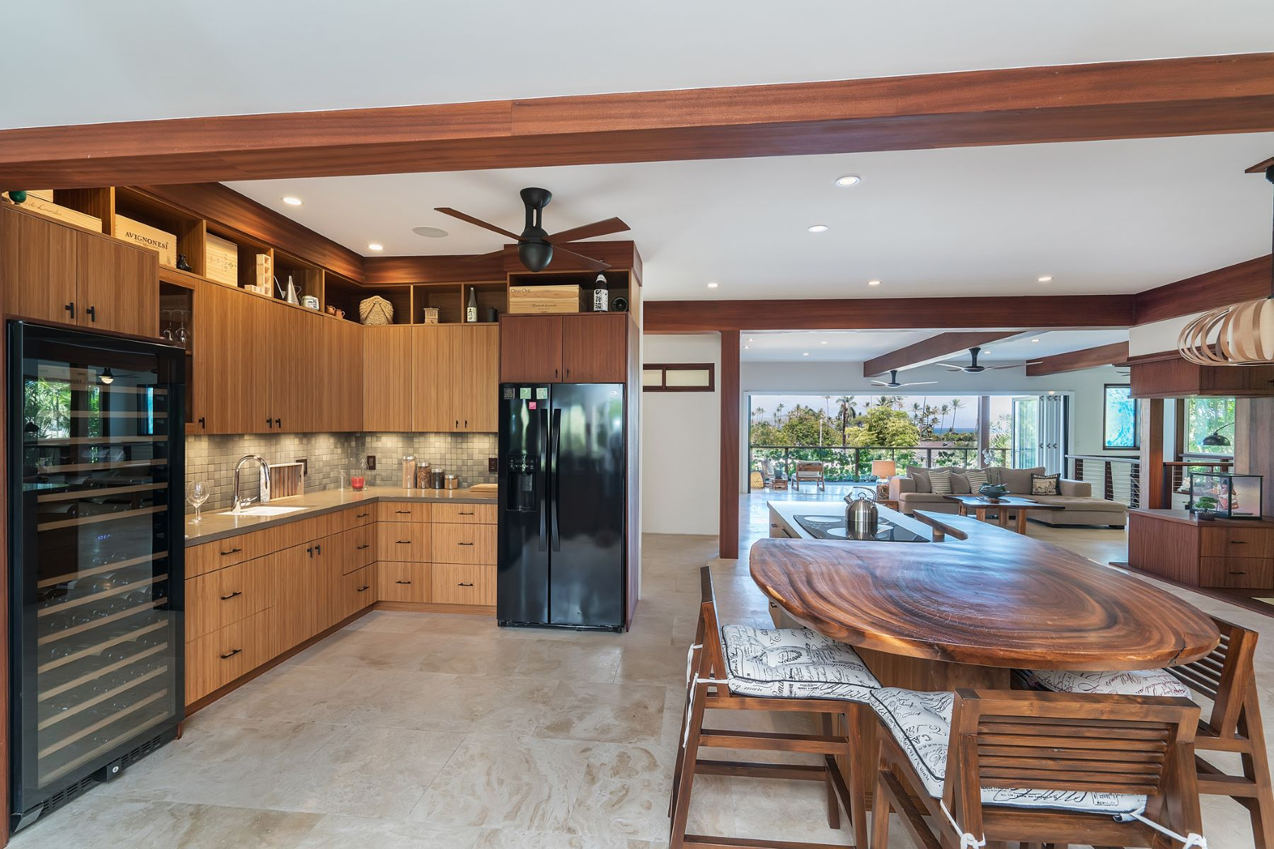 Additional photo for property listing at An Island Oasis 4316 Aukai Avenue Honolulu, Hawaii 96816 United States