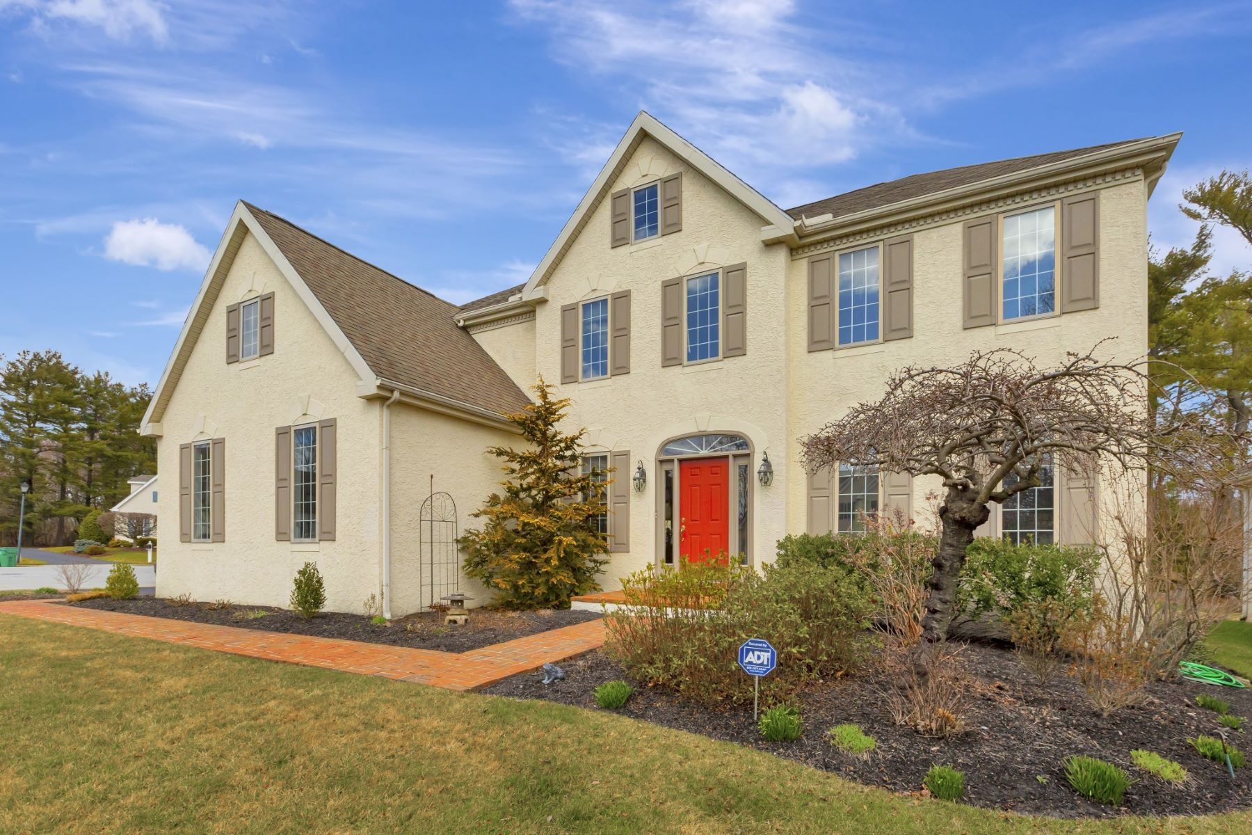 Single Family Homes for Active at 10 Kendall Ct. Wilmington, Delaware 19803 United States
