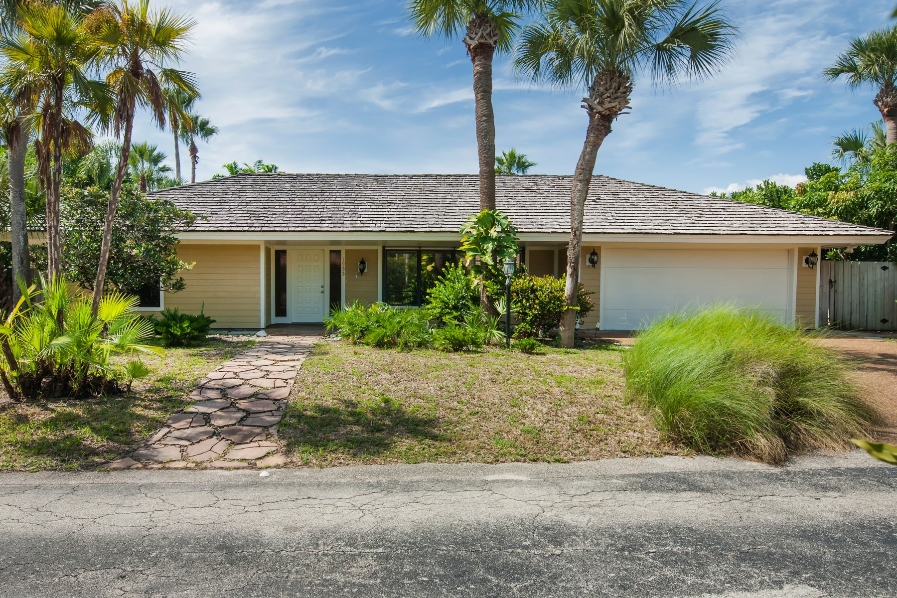 Property por un Venta en 1933 Ocean Ridge Circle Vero Beach, Florida 32963 Estados Unidos