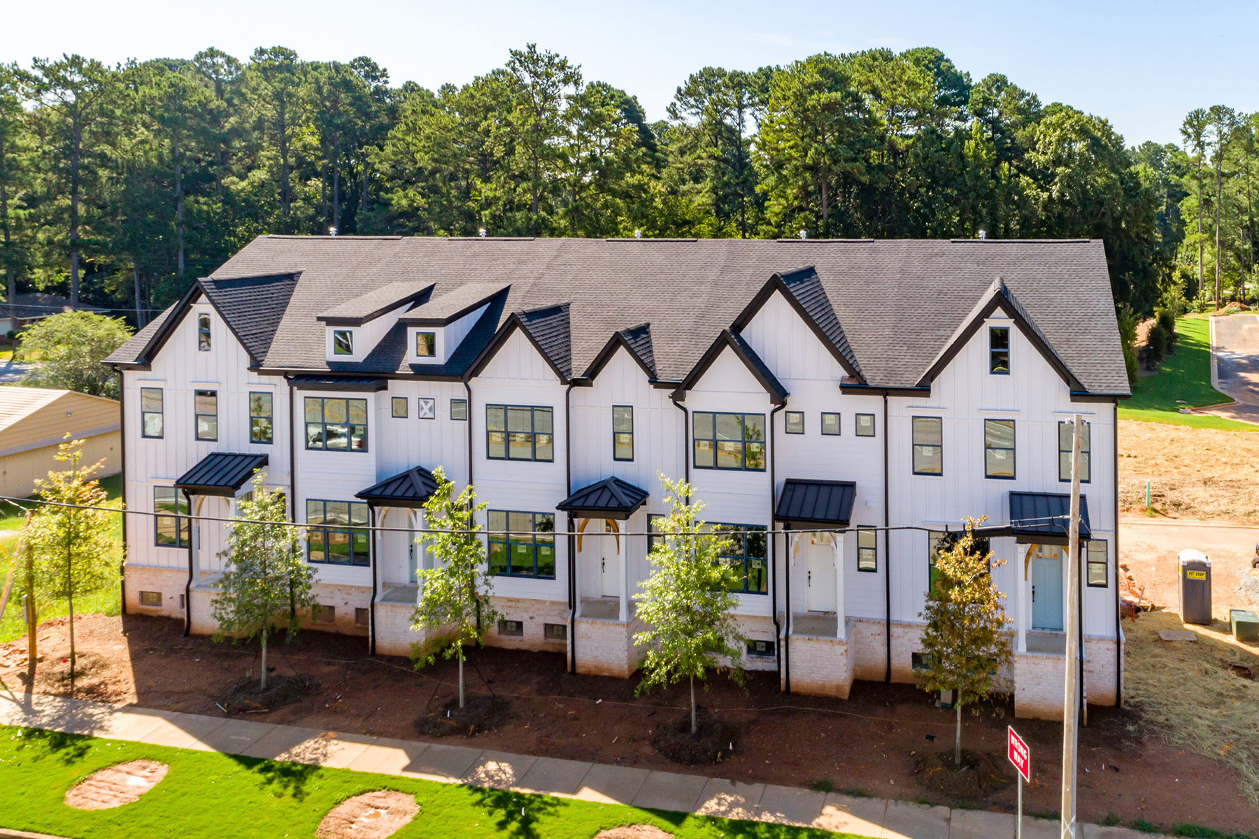 townhouses por un Venta en Beautiful New Townhome Located in Desirable Decatur 2729 Lawrenceville Highway No. 8, Decatur, Georgia 30033 Estados Unidos