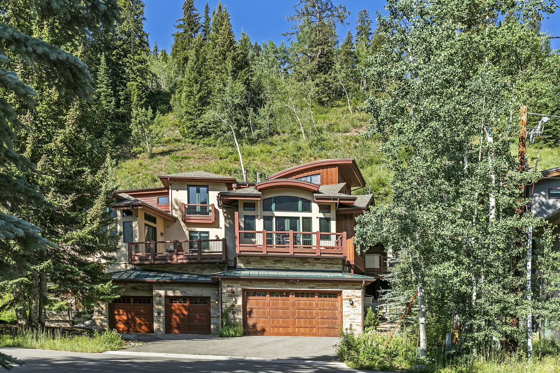 Duplex for Active at Beautiful custom home in East Vail 4852 Meadow Lane #B Vail, Colorado 81657 United States