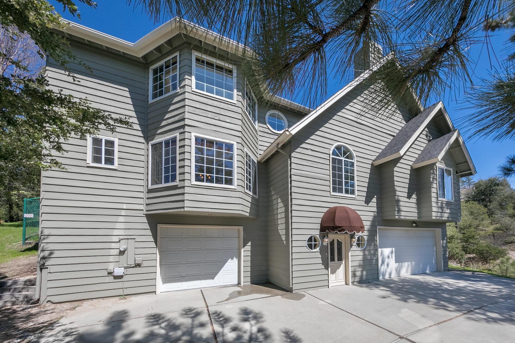 Частный односемейный дом для того Продажа на 1120 Sandalwood Court Lake Arrowhead, Калифорния 92352 Соединенные Штаты