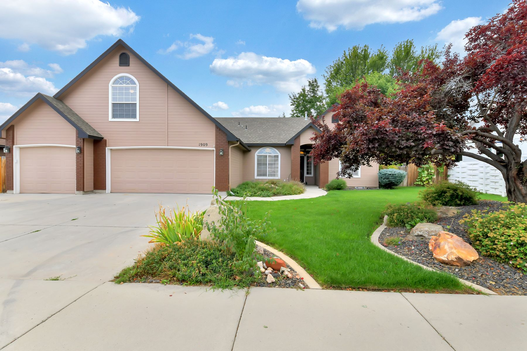 Single Family Homes for Sale at 1909 Dworshak Dr, Meridian 1909 E Dworshak Dr Meridian, Idaho 83642 United States