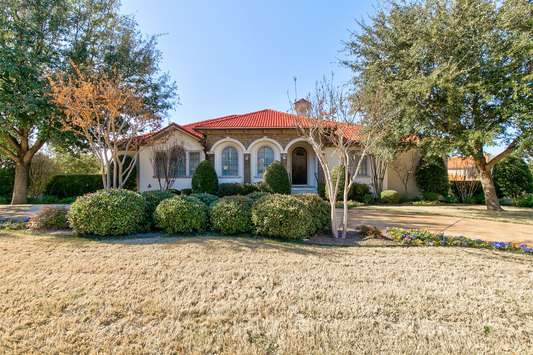 Single Family Homes for Active at A Mediterranean Beauty That Won't Disappoint 6600 Cherry Hills Drive Fort Worth, Texas 76132 United States