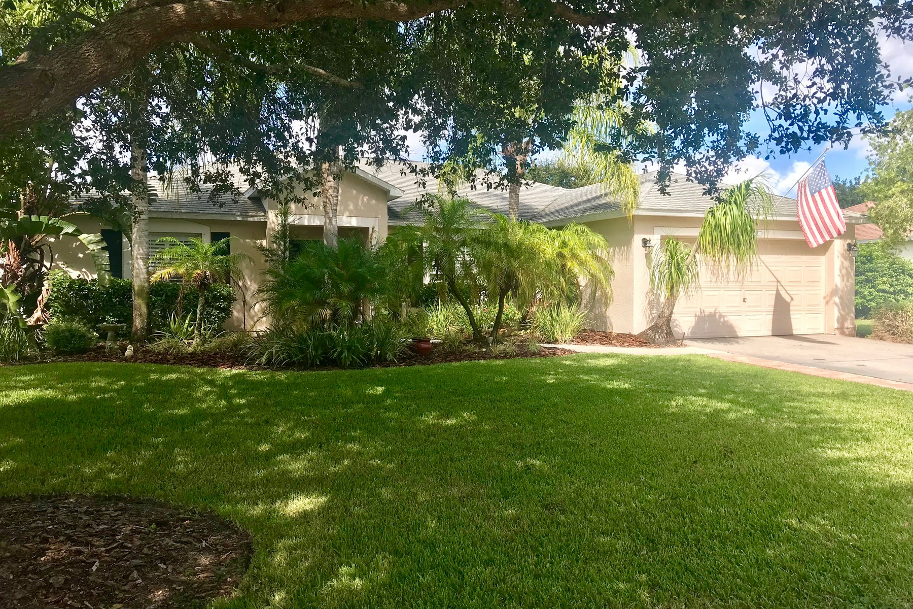 Single Family Homes for Sale at Waterfront Oasis & Gorgeous Sunsets Await You in Beautifully Upgraded Pool Home 3650 2nd Place SW Vero Beach, Florida 32968 United States
