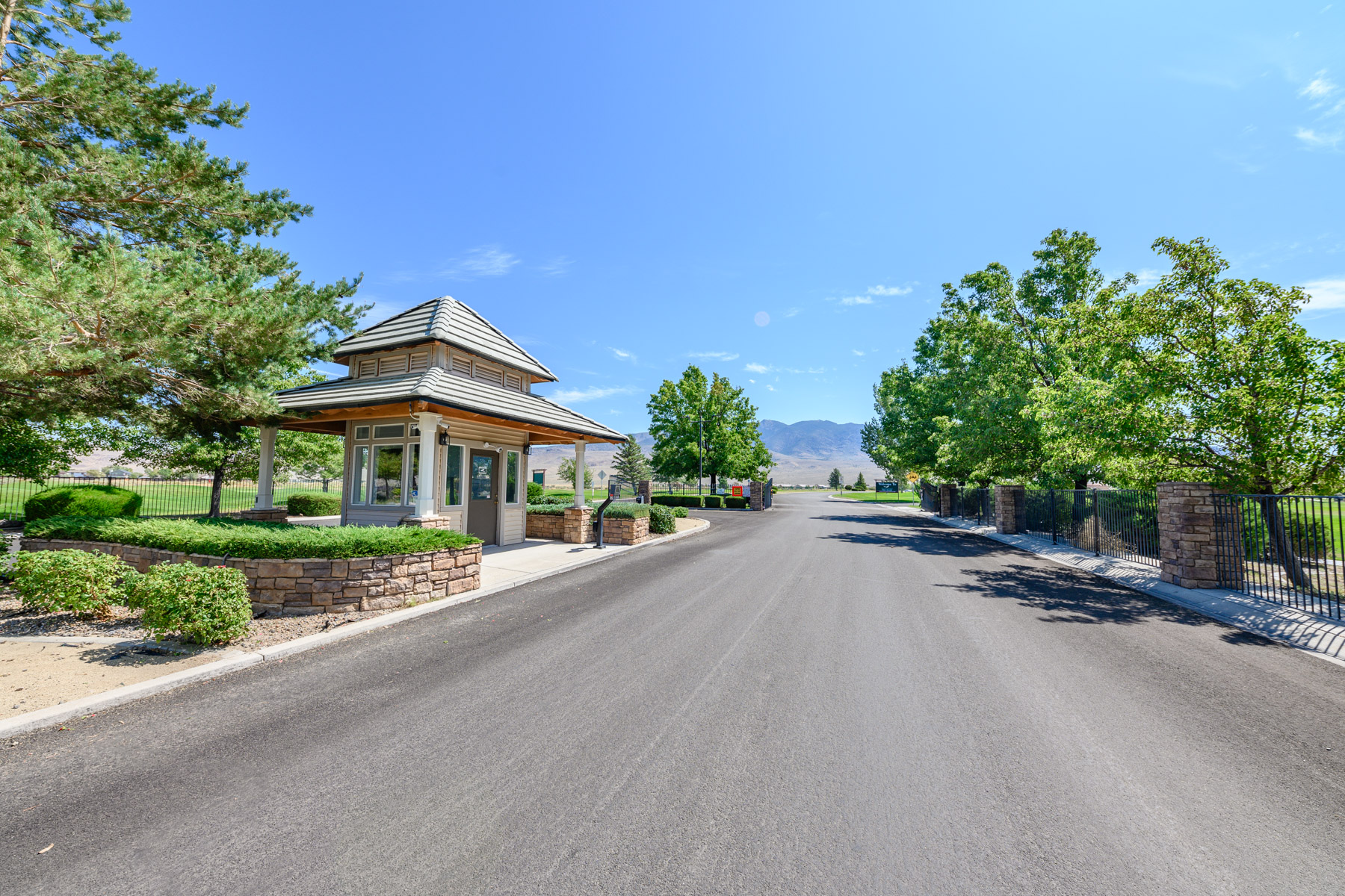 Additional photo for property listing at 379 Royal Troon Drive, Dayton, Nevada 379 Royal Troon Drive Dayton, Nevada 89403 United States